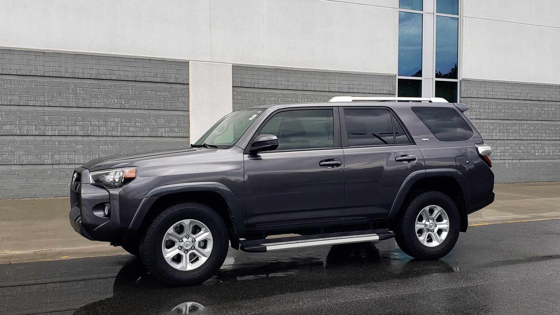 Used 2016 Toyota 4RUNNER 4X4 SR5 V6 / ENTUNE PREMIUM AUDIO W/NAVIGATION for sale $35,995 at Formula Imports in Charlotte NC 28227 4