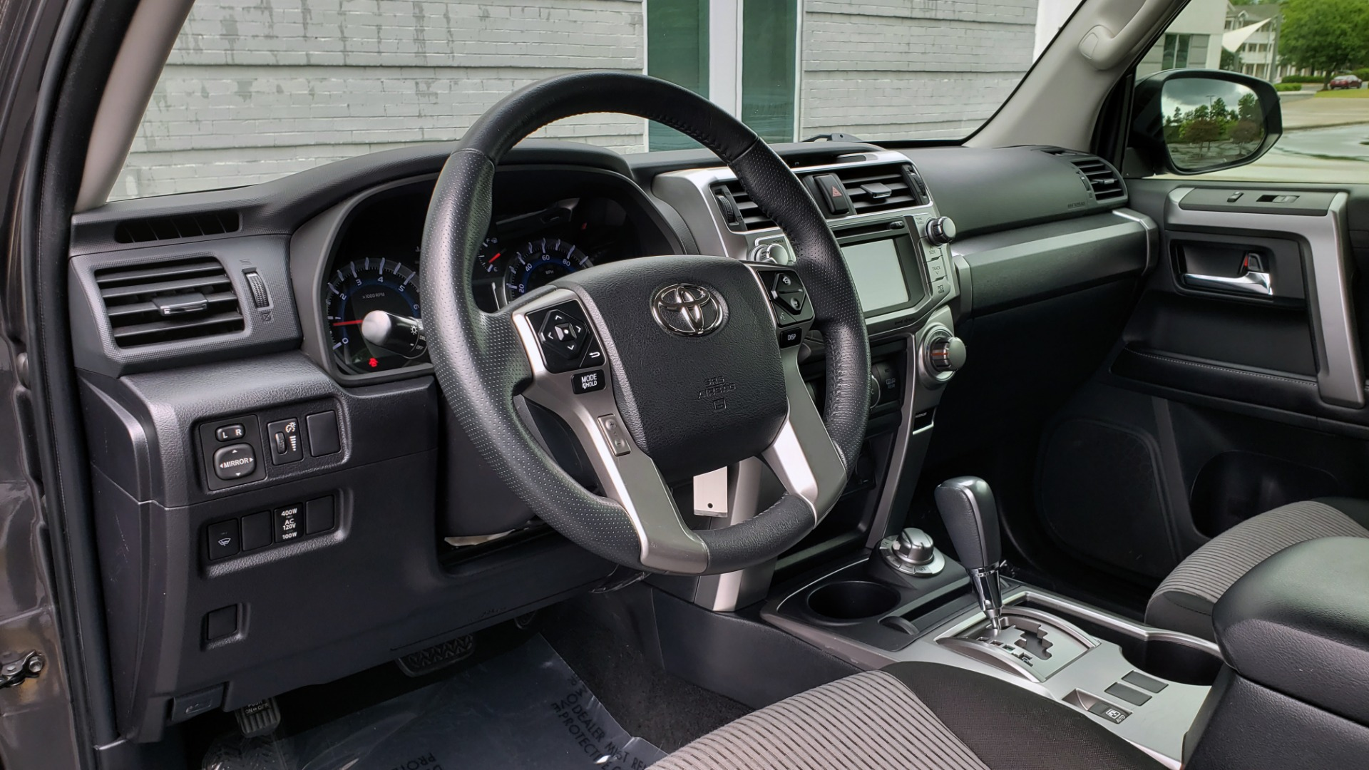 Used 2016 Toyota 4RUNNER 4X4 SR5 V6 / ENTUNE PREMIUM AUDIO W/NAVIGATION for sale $35,995 at Formula Imports in Charlotte NC 28227 42