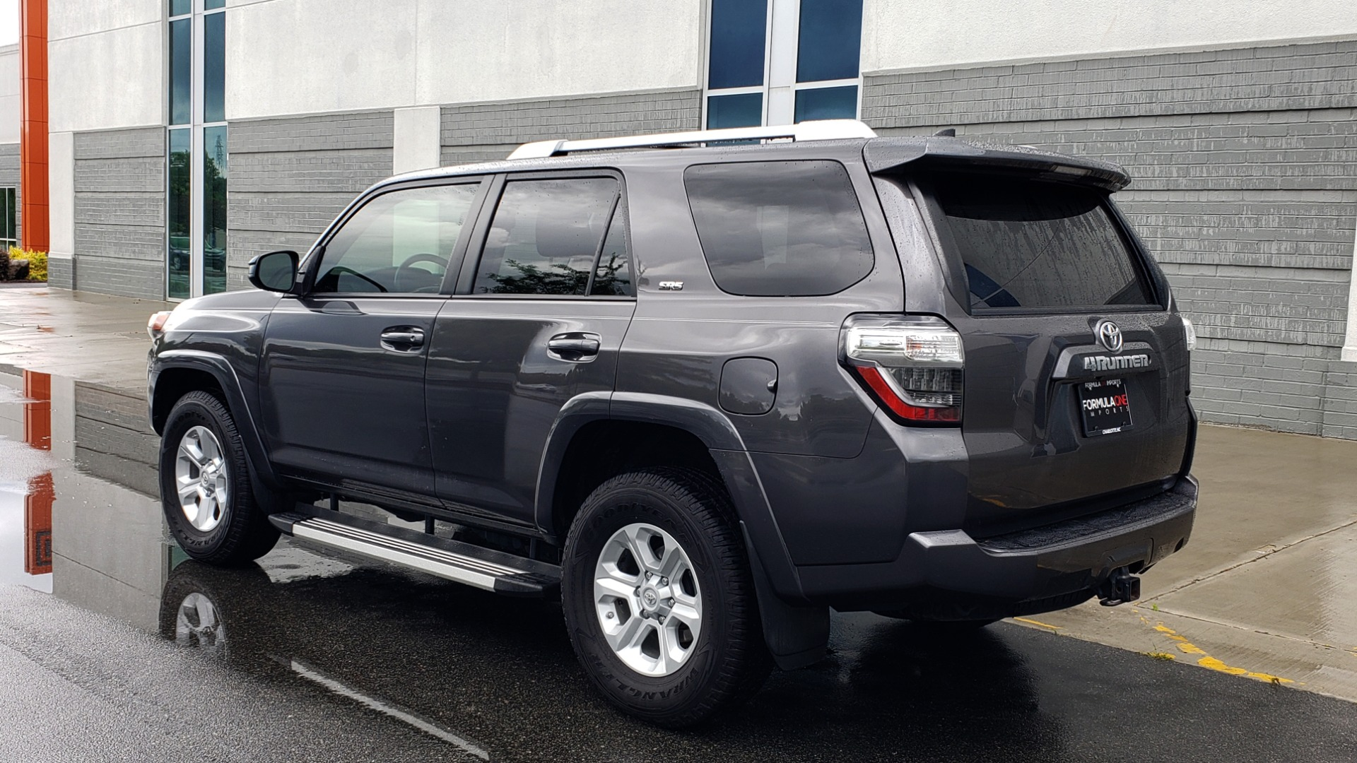 Used 2016 Toyota 4RUNNER 4X4 SR5 V6 / ENTUNE PREMIUM AUDIO W/NAVIGATION for sale $35,995 at Formula Imports in Charlotte NC 28227 6
