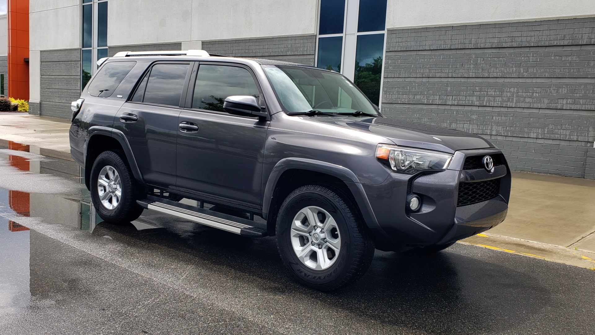 Used 2016 Toyota 4RUNNER 4X4 SR5 V6 / ENTUNE PREMIUM AUDIO W/NAVIGATION for sale $35,995 at Formula Imports in Charlotte NC 28227 7