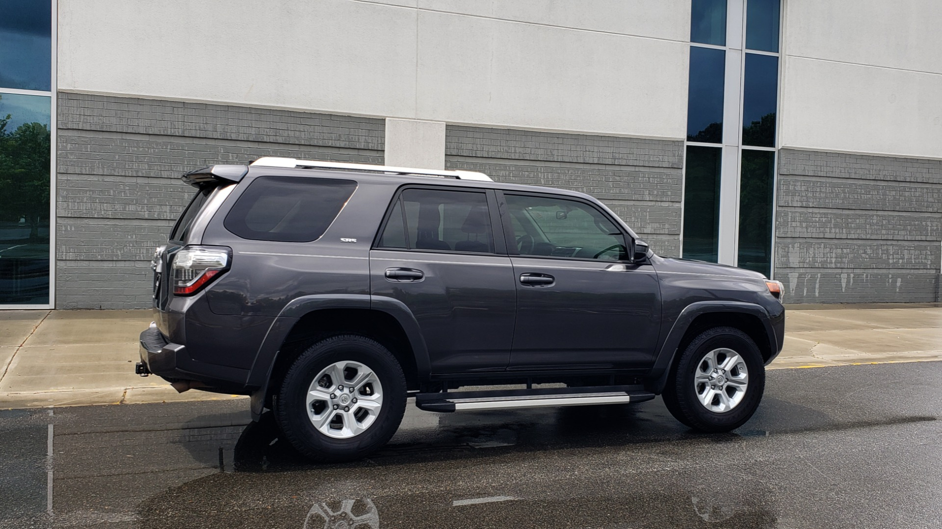 Used 2016 Toyota 4RUNNER 4X4 SR5 V6 / ENTUNE PREMIUM AUDIO W/NAVIGATION for sale $35,995 at Formula Imports in Charlotte NC 28227 8