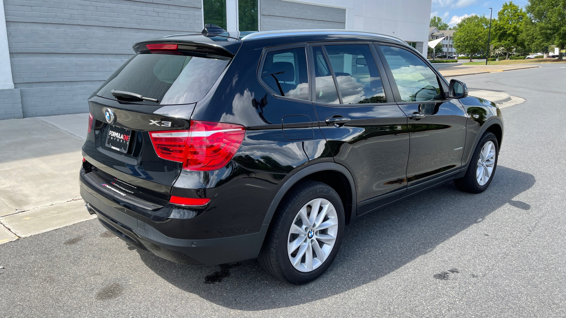 Used 2017 BMW X3 SDRIVE28I / DRVR ASST PKG / HTD STS / REARVIEW / 18IN WHEELS for sale $24,995 at Formula Imports in Charlotte NC 28227 2