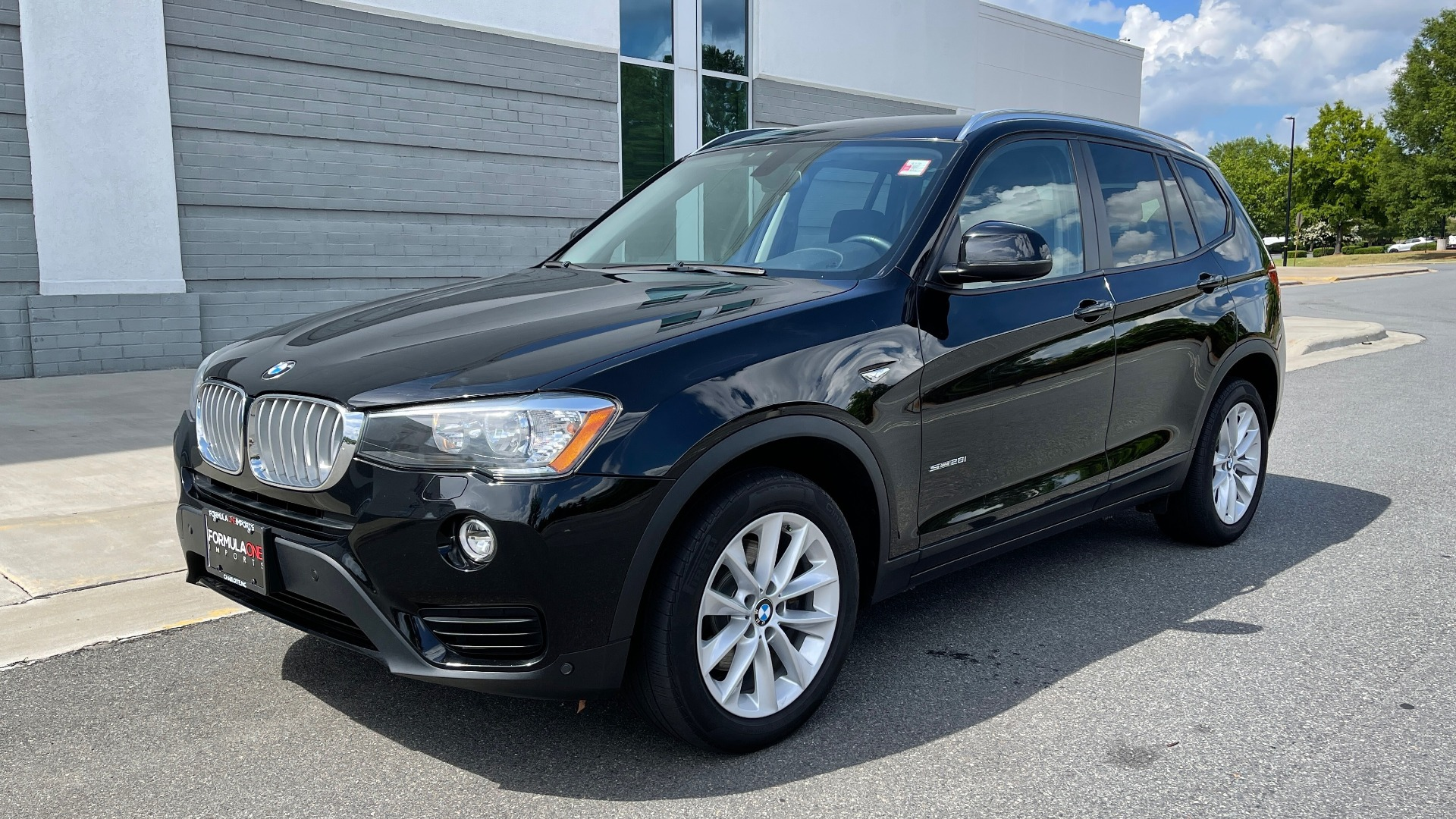 Used 2017 BMW X3 SDRIVE28I / DRVR ASST PKG / HTD STS / REARVIEW / 18IN WHEELS for sale $24,995 at Formula Imports in Charlotte NC 28227 3