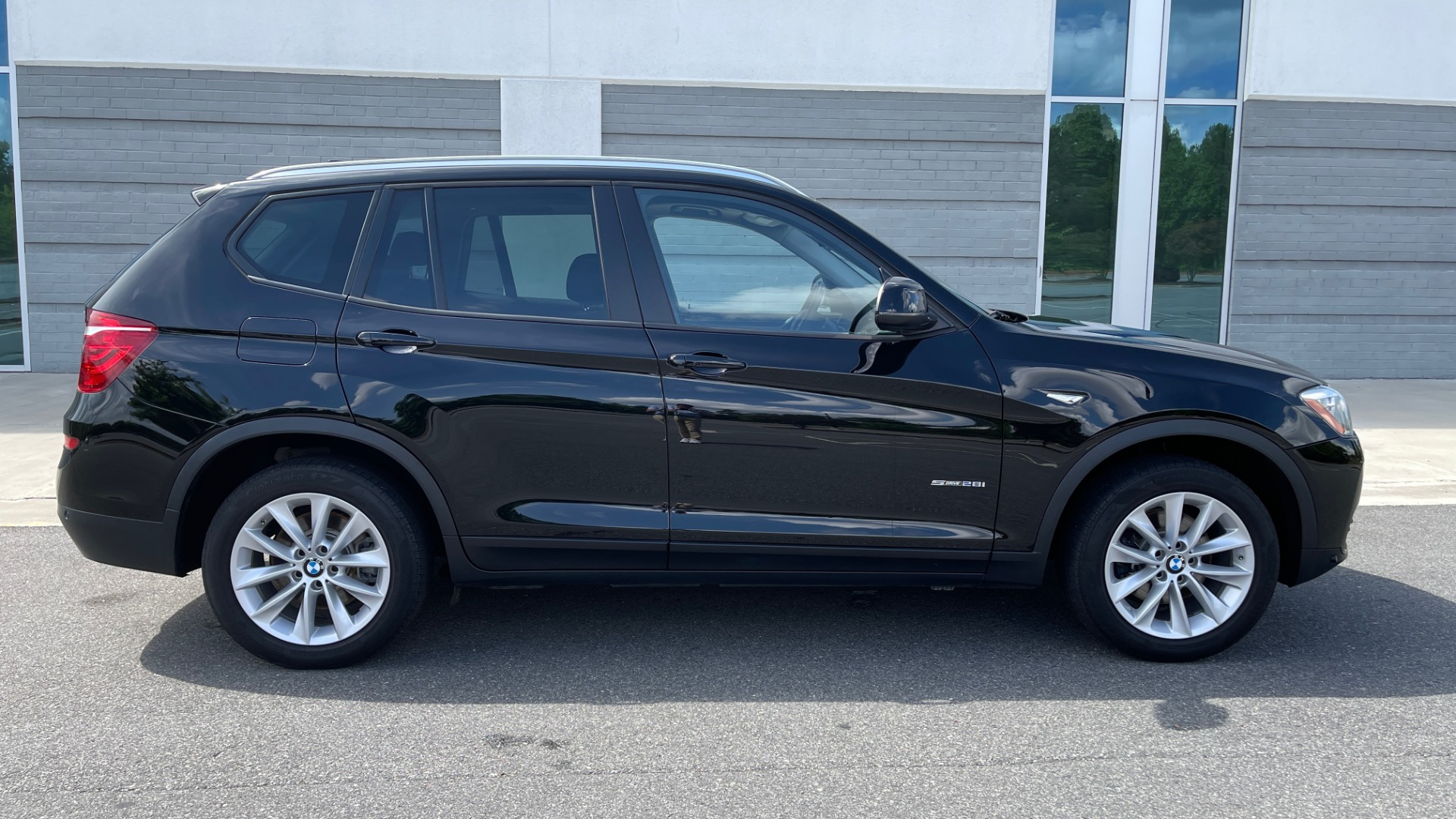 Used 2017 BMW X3 SDRIVE28I / DRVR ASST PKG / HTD STS / REARVIEW / 18IN WHEELS for sale $24,995 at Formula Imports in Charlotte NC 28227 4