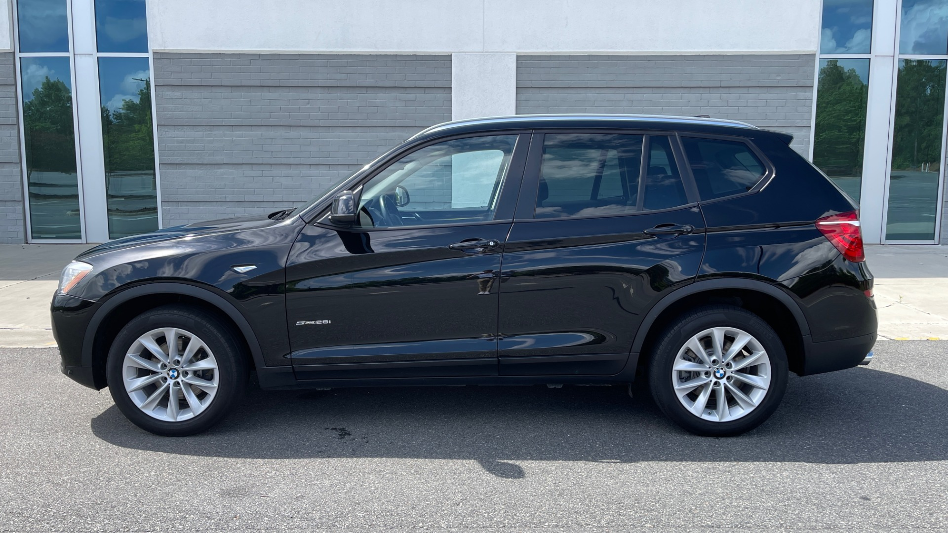 Used 2017 BMW X3 SDRIVE28I / DRVR ASST PKG / HTD STS / REARVIEW / 18IN WHEELS for sale $24,995 at Formula Imports in Charlotte NC 28227 6