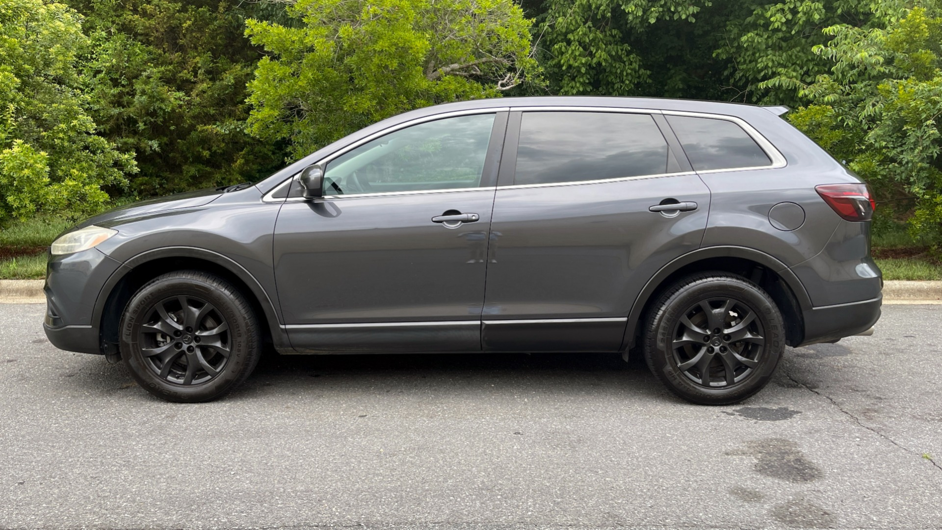 Used 2014 Mazda CX-9 TOURUNG / FWD / 3.7L V6 / 6-SPD AUTO / HTD STS / 3-ROW / REARVIEW for sale $14,995 at Formula Imports in Charlotte NC 28227 3