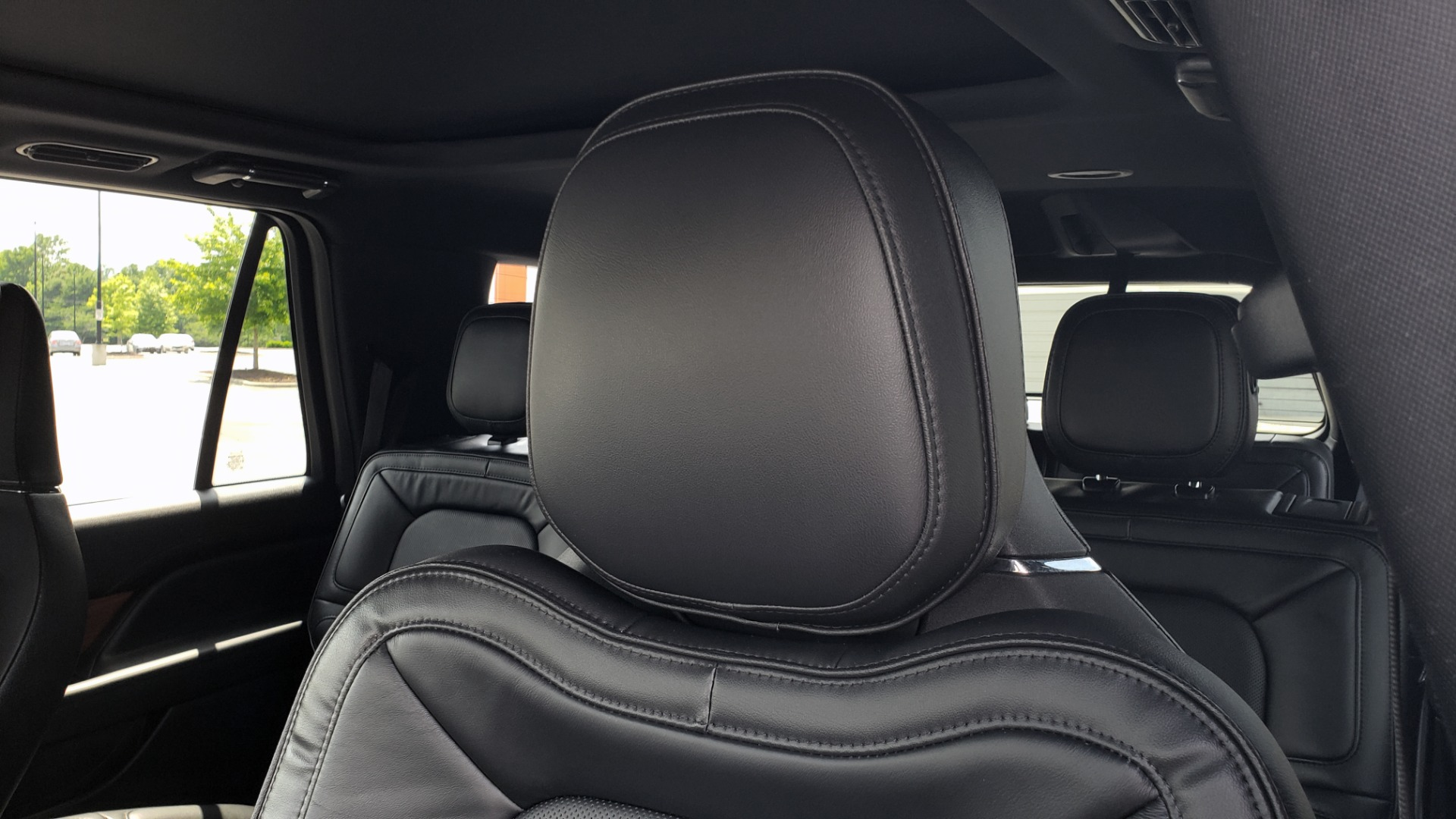 Used 2019 Lincoln NAVIGATOR RESERVE 4X4 / NAV / PANO-ROOF / REVEL ULTIMA AUDIO / 3-ROW / REARVIEW for sale $74,795 at Formula Imports in Charlotte NC 28227 43