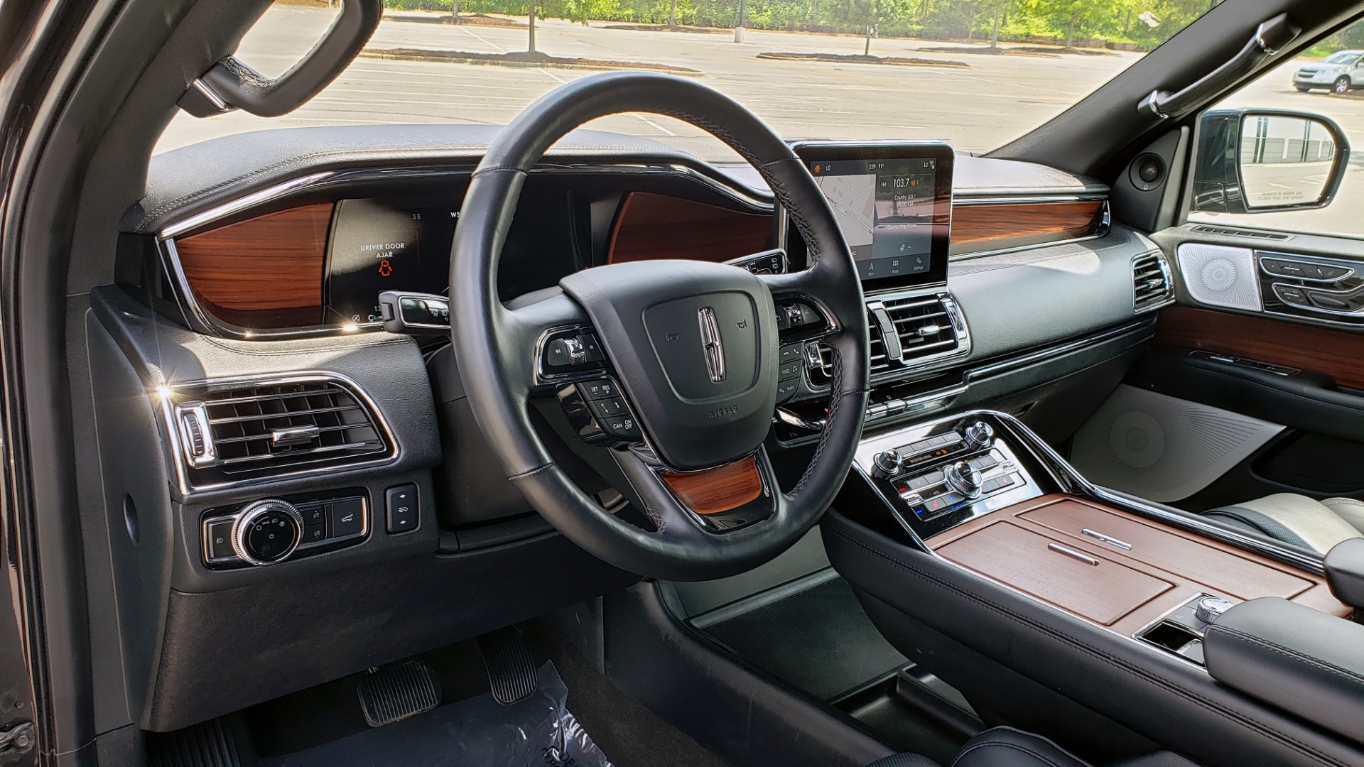 Used 2019 Lincoln NAVIGATOR RESERVE 4X4 / NAV / PANO-ROOF / REVEL ULTIMA AUDIO / 3-ROW / REARVIEW for sale $74,795 at Formula Imports in Charlotte NC 28227 44