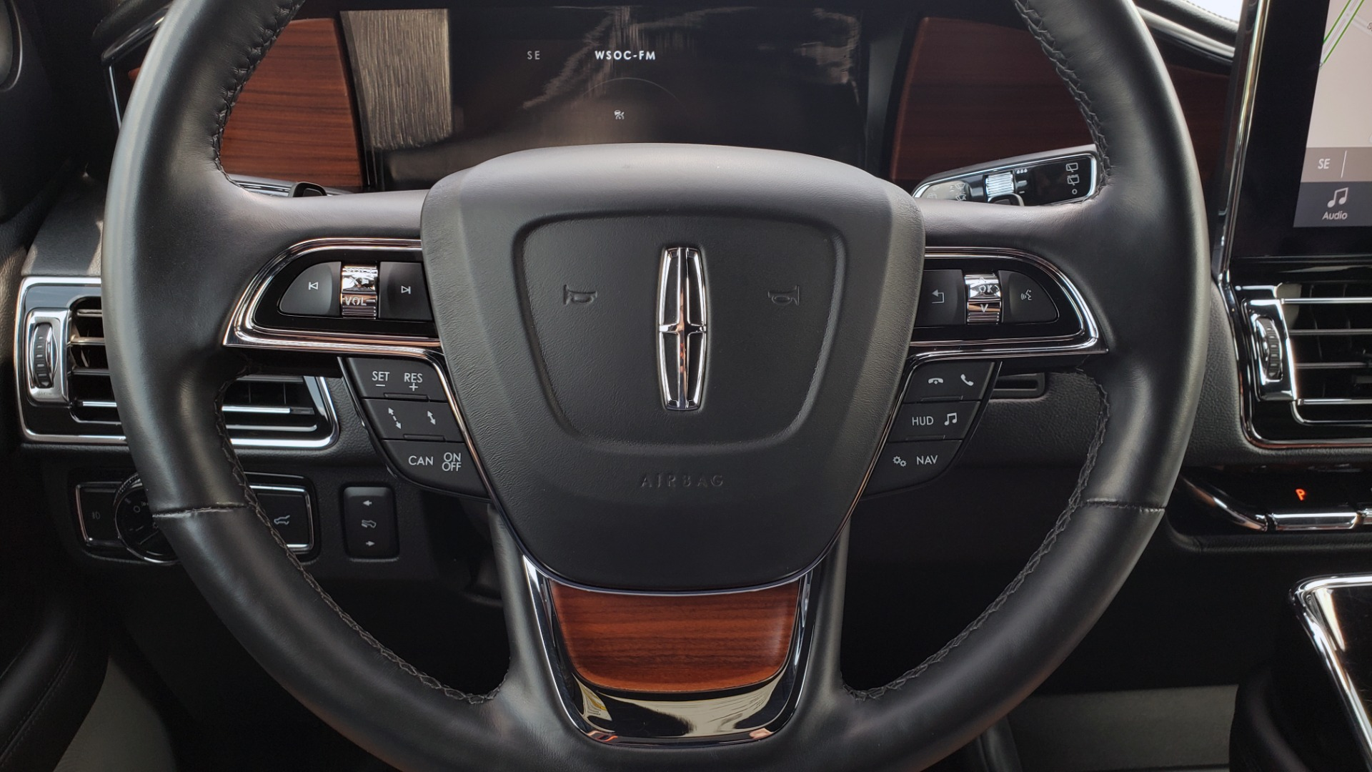 Used 2019 Lincoln NAVIGATOR RESERVE 4X4 / NAV / PANO-ROOF / REVEL ULTIMA AUDIO / 3-ROW / REARVIEW for sale $74,795 at Formula Imports in Charlotte NC 28227 46
