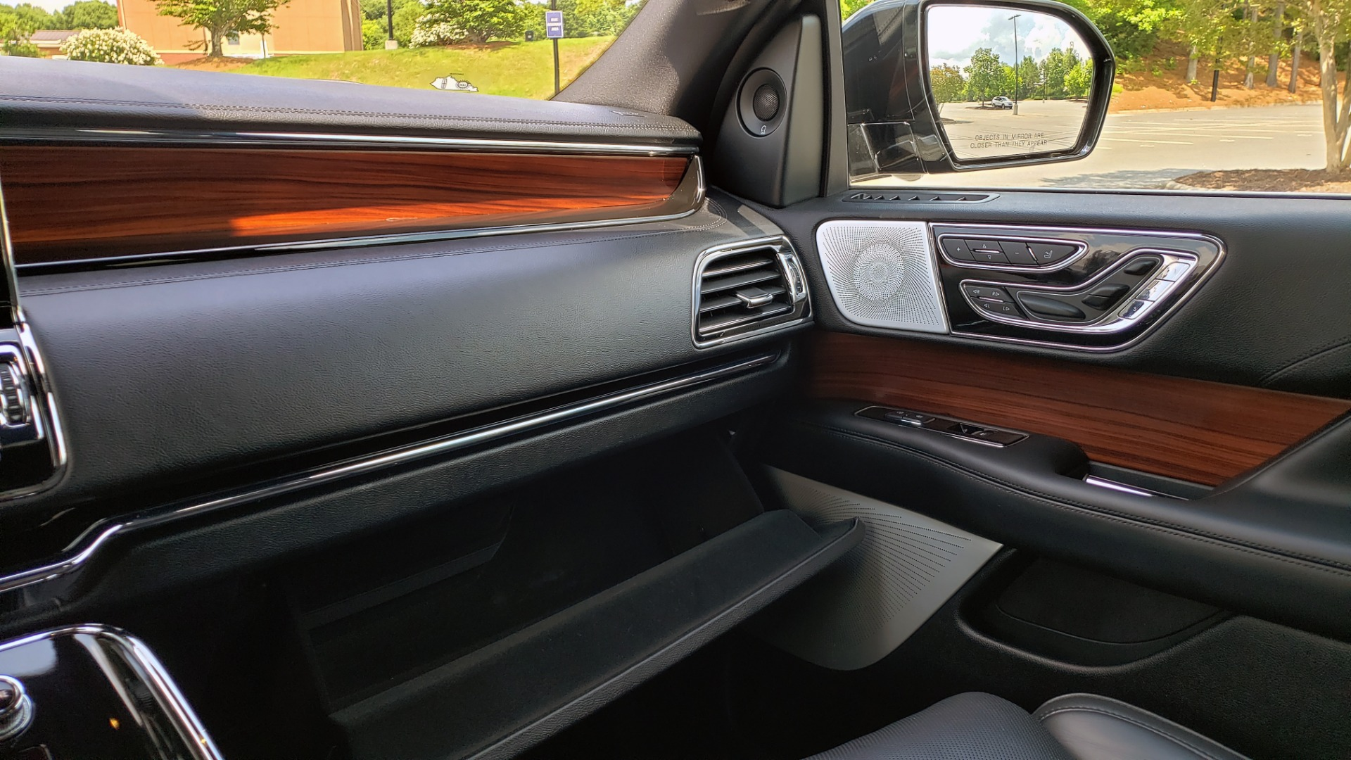 Used 2019 Lincoln NAVIGATOR RESERVE 4X4 / NAV / PANO-ROOF / REVEL ULTIMA AUDIO / 3-ROW / REARVIEW for sale $74,795 at Formula Imports in Charlotte NC 28227 58