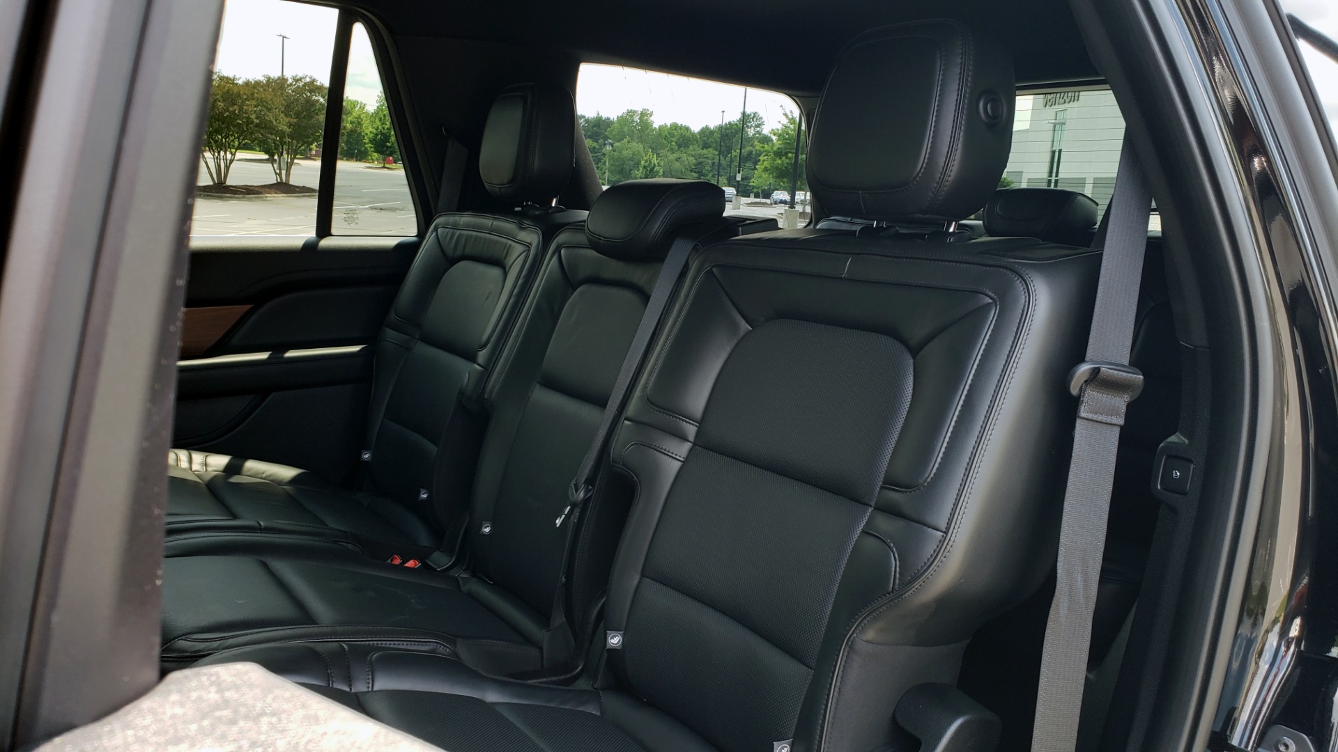 Used 2019 Lincoln NAVIGATOR RESERVE 4X4 / NAV / PANO-ROOF / REVEL ULTIMA AUDIO / 3-ROW / REARVIEW for sale $74,795 at Formula Imports in Charlotte NC 28227 70