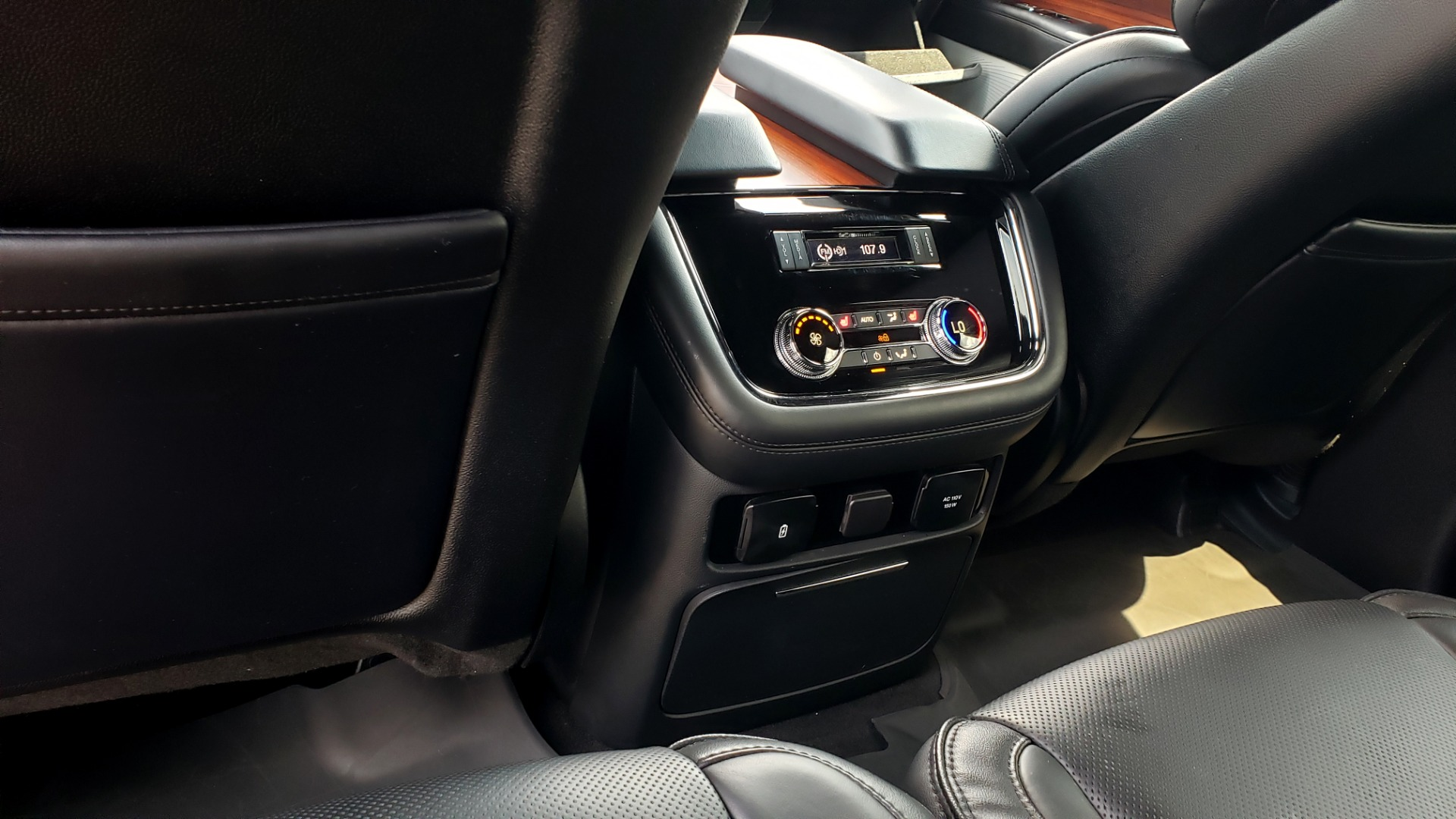 Used 2019 Lincoln NAVIGATOR RESERVE 4X4 / NAV / PANO-ROOF / REVEL ULTIMA AUDIO / 3-ROW / REARVIEW for sale $74,795 at Formula Imports in Charlotte NC 28227 71