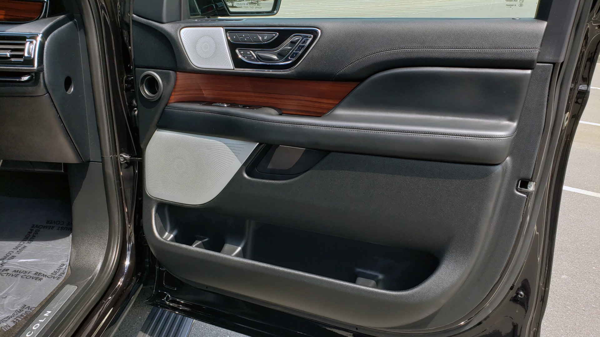 Used 2019 Lincoln NAVIGATOR RESERVE 4X4 / NAV / PANO-ROOF / REVEL ULTIMA AUDIO / 3-ROW / REARVIEW for sale $74,795 at Formula Imports in Charlotte NC 28227 73