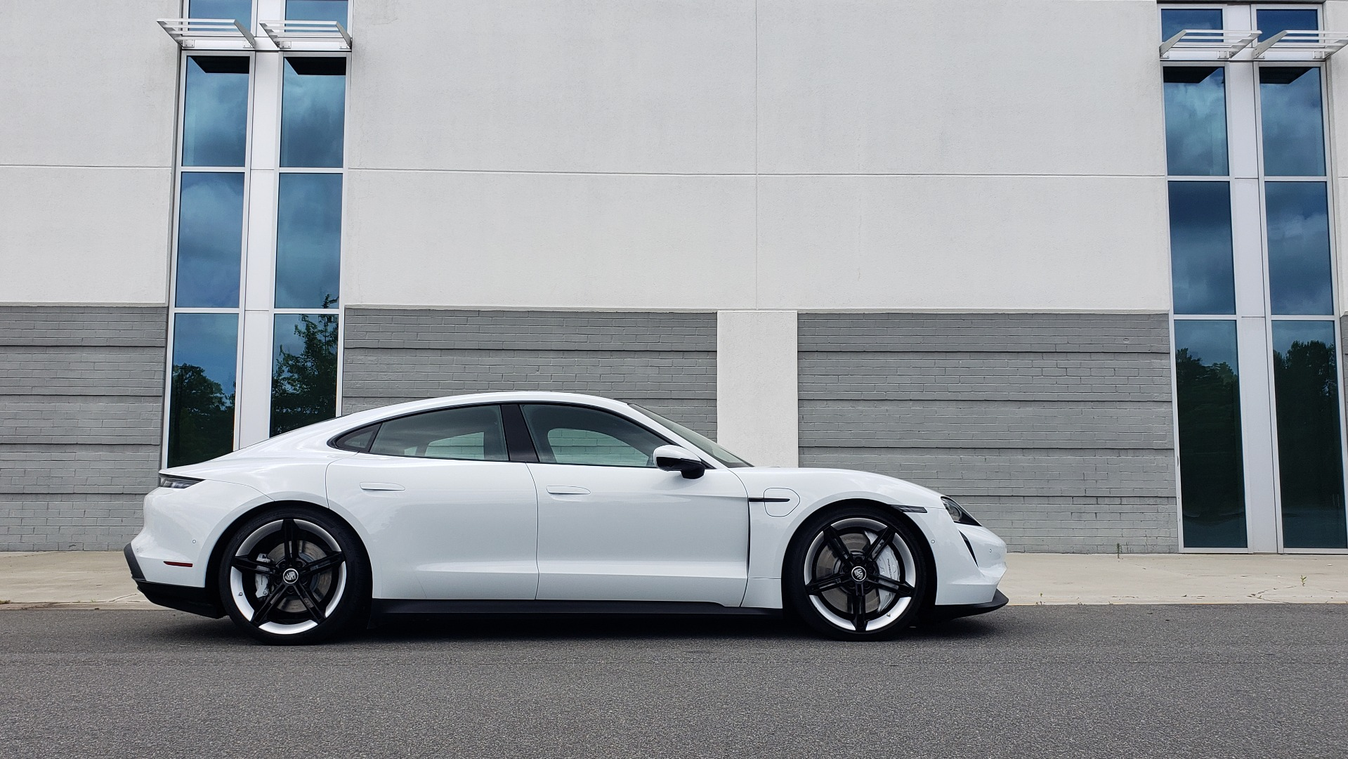 Used 2020 Porsche Taycan 4S for sale Call for price at Formula Imports in Charlotte NC 28227 13