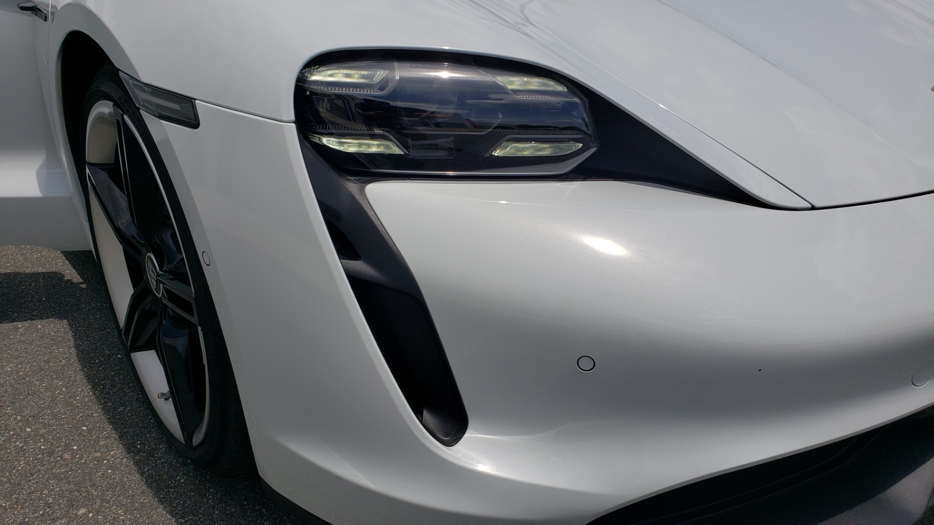 Used 2020 Porsche Taycan 4S for sale Call for price at Formula Imports in Charlotte NC 28227 39