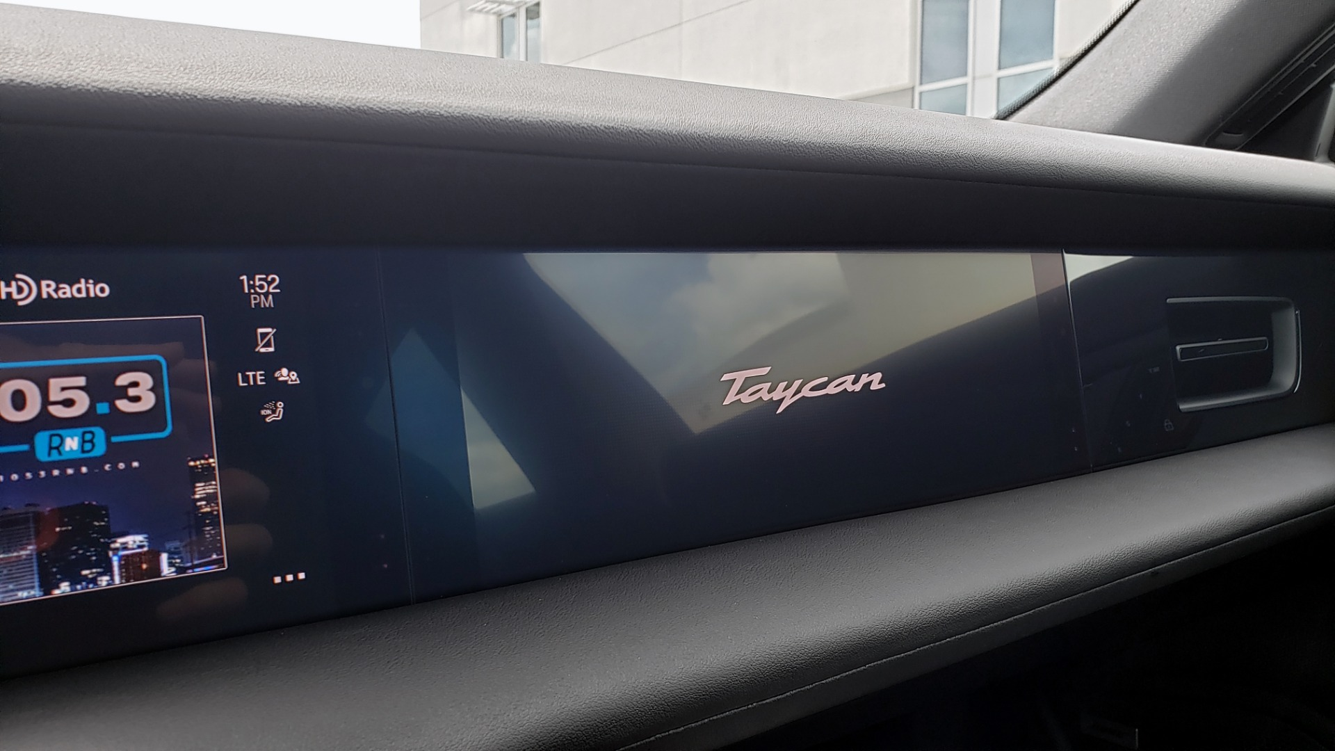 Used 2020 Porsche Taycan 4S for sale Call for price at Formula Imports in Charlotte NC 28227 46