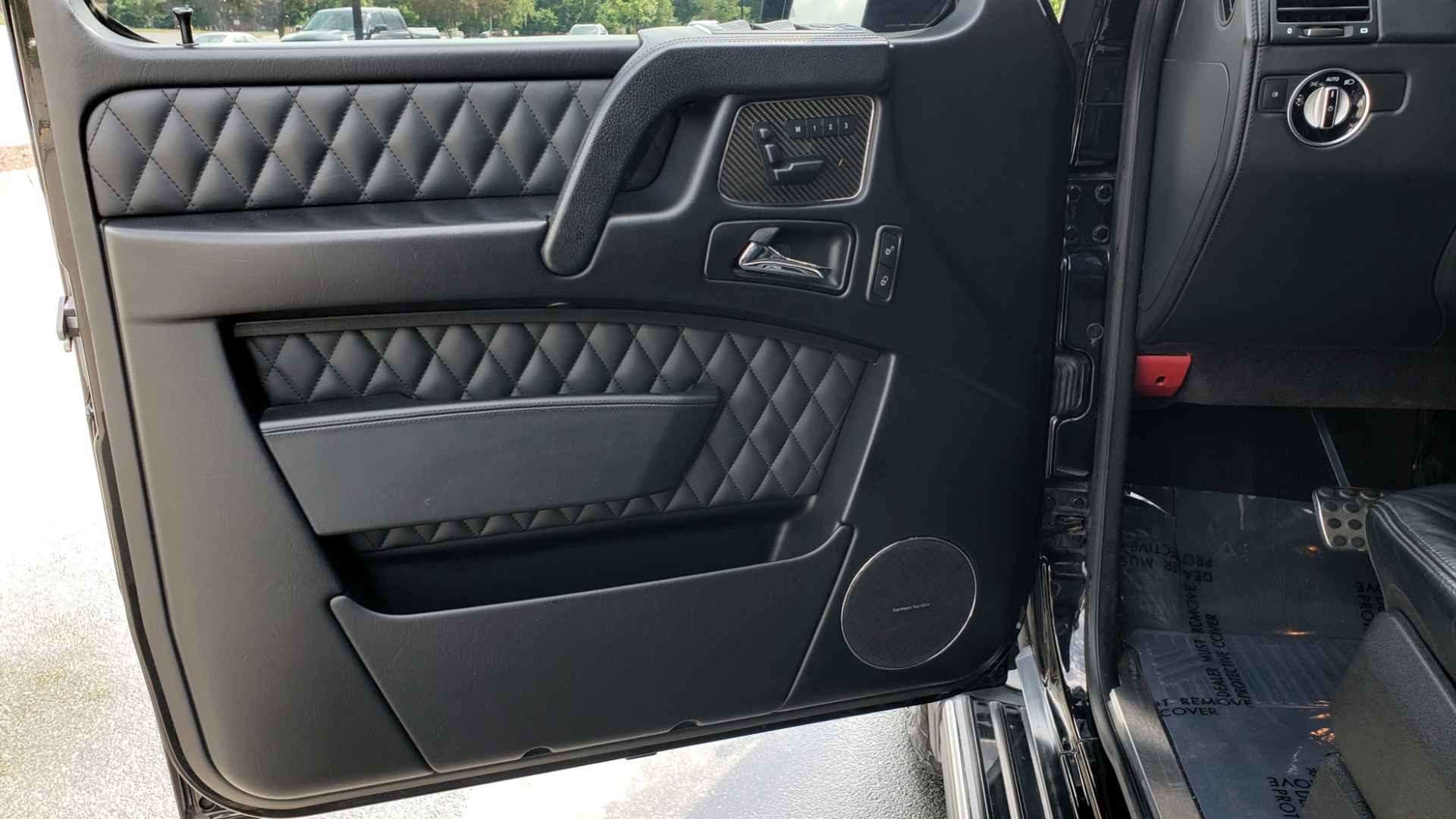 Used 2016 Mercedes-Benz G-CLASS AMG G 63 4MATIC / NAV / SUNROOF / H/K SND / ENT SYS / REARVIEW for sale $99,000 at Formula Imports in Charlotte NC 28227 16