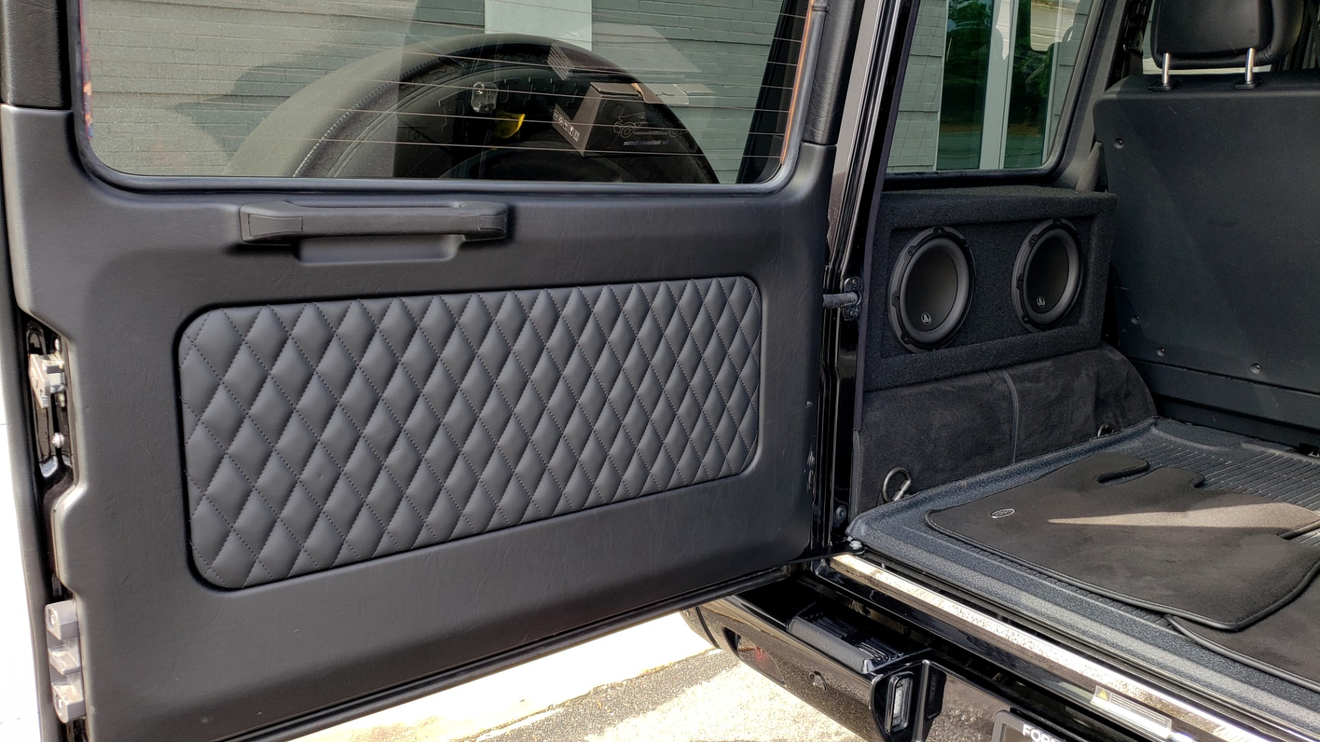 Used 2016 Mercedes-Benz G-CLASS AMG G 63 4MATIC / NAV / SUNROOF / H/K SND / ENT SYS / REARVIEW for sale $99,000 at Formula Imports in Charlotte NC 28227 30