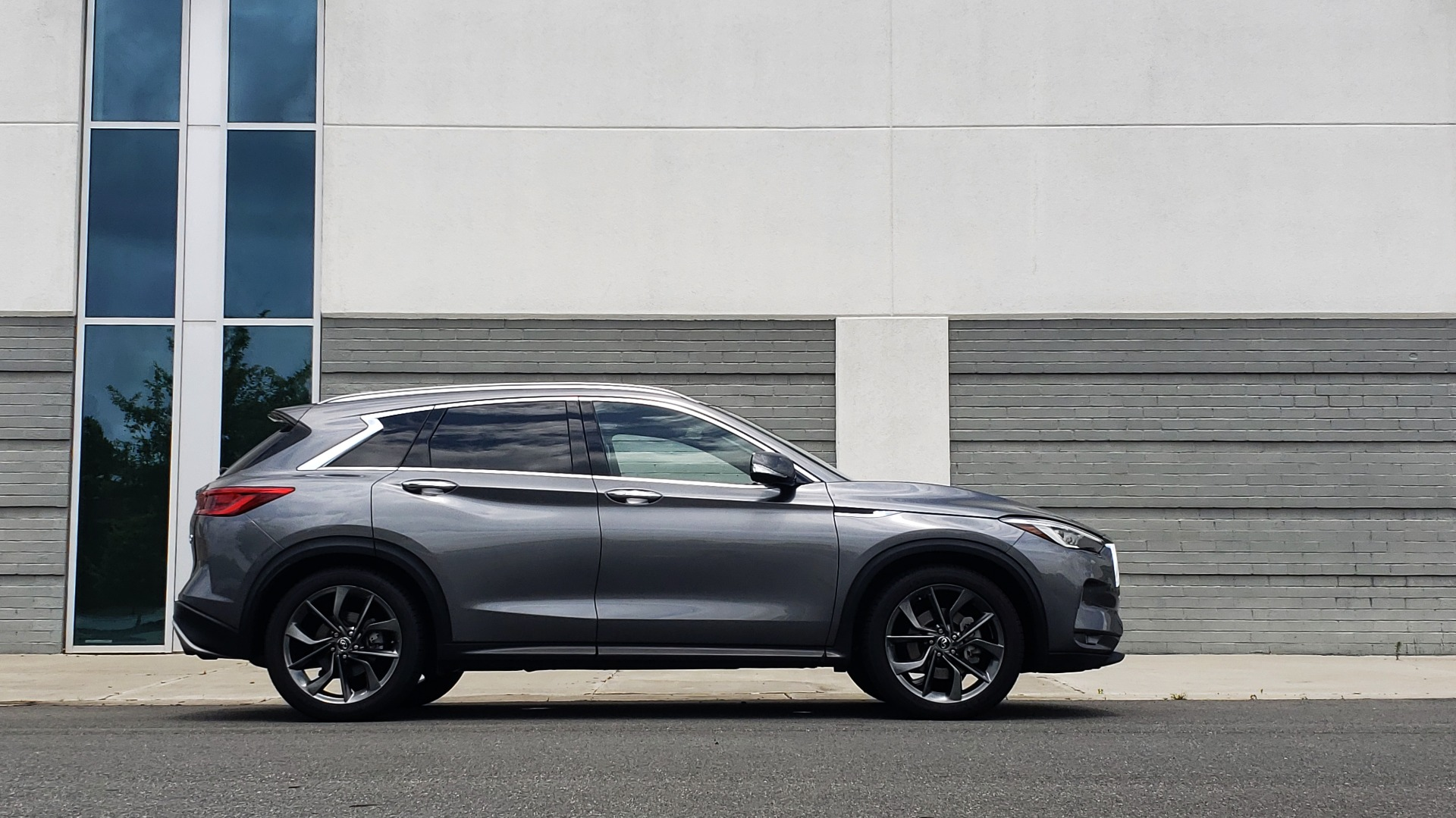 Used 2019 INFINITI QX50 ESSENTIAL / 2.0L / PROASSIST / PROACTIVE / AUTOGRAPH / SENSORY for sale $33,995 at Formula Imports in Charlotte NC 28227 10