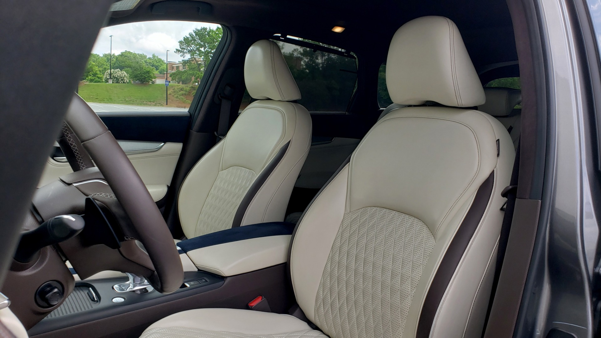 Used 2019 INFINITI QX50 ESSENTIAL / 2.0L / PROASSIST / PROACTIVE / AUTOGRAPH / SENSORY for sale $33,995 at Formula Imports in Charlotte NC 28227 37