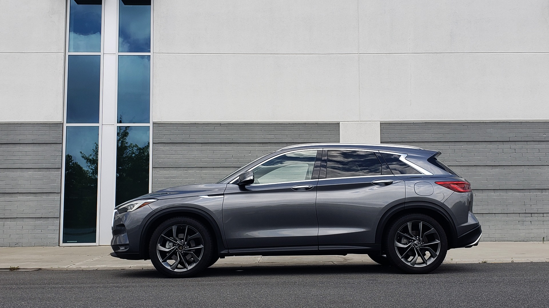 Used 2019 INFINITI QX50 ESSENTIAL / 2.0L / PROASSIST / PROACTIVE / AUTOGRAPH / SENSORY for sale $33,995 at Formula Imports in Charlotte NC 28227 5