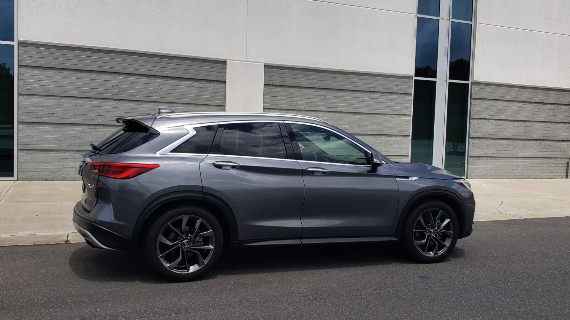 Used 2019 INFINITI QX50 ESSENTIAL / 2.0L / PROASSIST / PROACTIVE / AUTOGRAPH / SENSORY for sale $33,995 at Formula Imports in Charlotte NC 28227 9