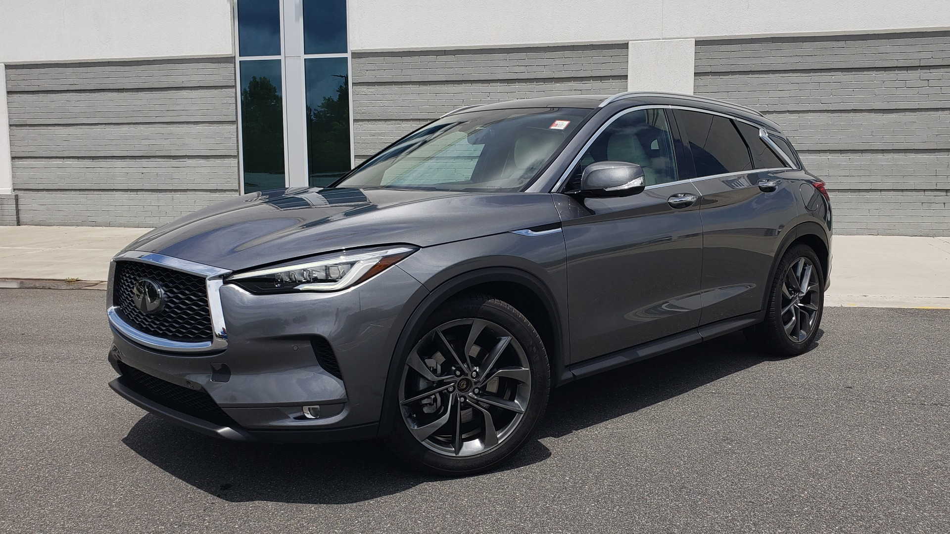 Used 2019 INFINITI QX50 ESSENTIAL / 2.0L / PROASSIST / PROACTIVE / AUTOGRAPH / SENSORY for sale $33,995 at Formula Imports in Charlotte NC 28227 1