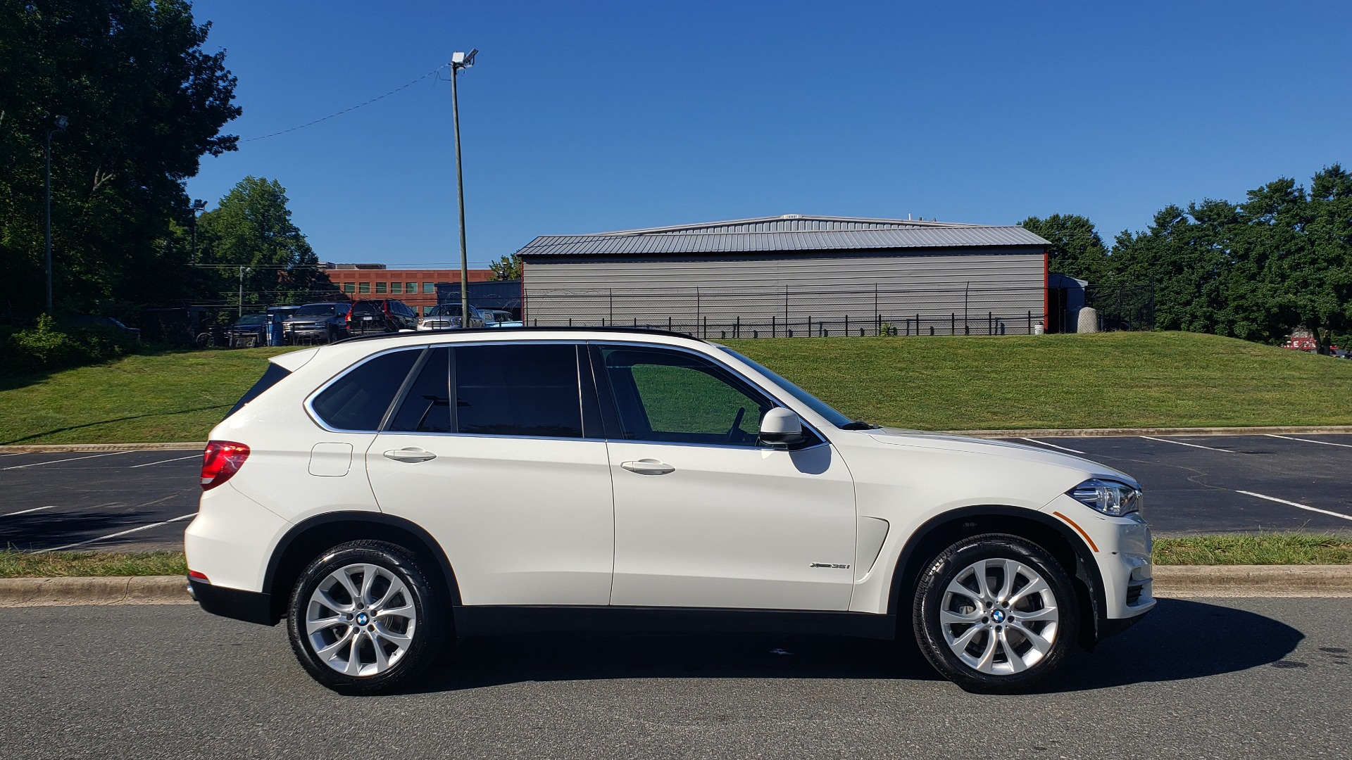 Used 2016 BMW X5 XDRIVE35I / AWD / NAV / PANO-ROOF / CAMERA for sale Sold at Formula Imports in Charlotte NC 28227 5