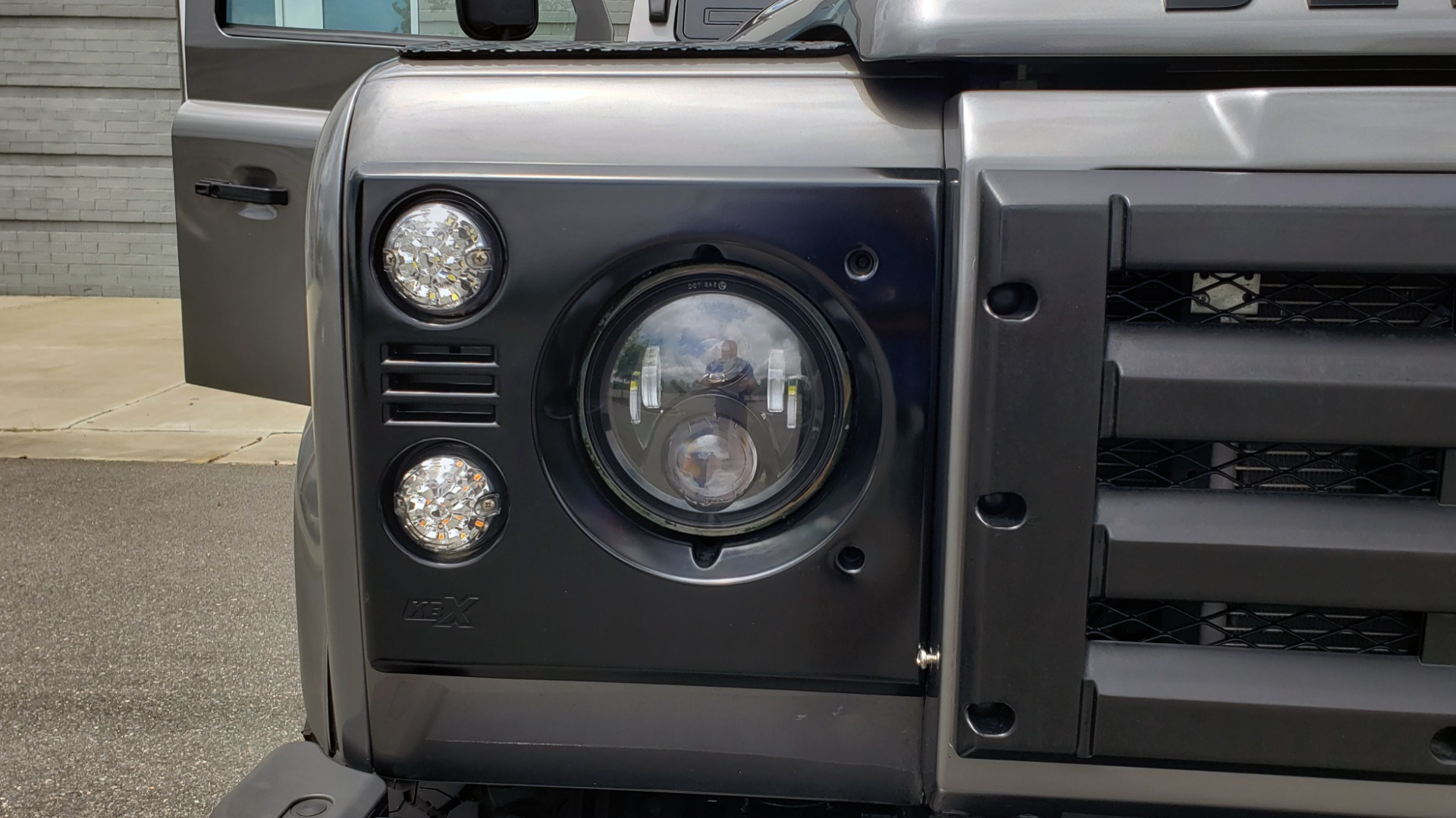 Used 1988 Land Rover DEFENDER 110 CUSTOM 4X4 / LS V8 / PUSH BUTTON AUTO / LEATHER / ROOF RACK for sale $147,888 at Formula Imports in Charlotte NC 28227 40