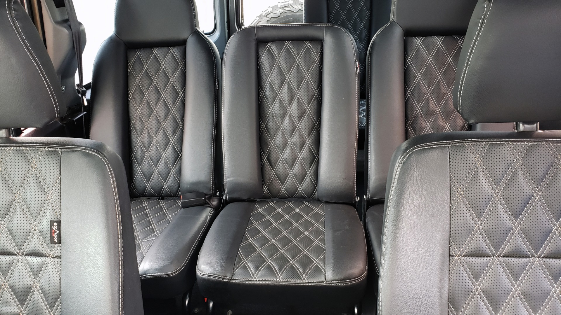 Used 1988 Land Rover DEFENDER 110 CUSTOM 4X4 / LS V8 / PUSH BUTTON AUTO / LEATHER / ROOF RACK for sale $147,888 at Formula Imports in Charlotte NC 28227 54