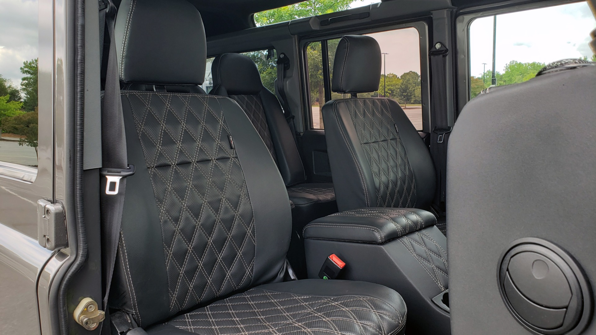 Used 1988 Land Rover DEFENDER 110 CUSTOM 4X4 / LS V8 / PUSH BUTTON AUTO / LEATHER / ROOF RACK for sale $147,888 at Formula Imports in Charlotte NC 28227 66