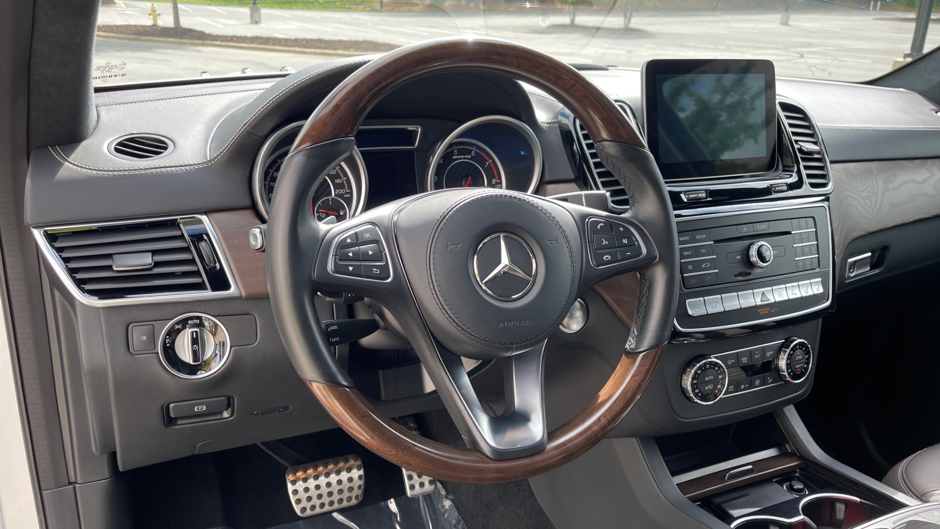 Used 2017 Mercedes-Benz GLS 63 AMG 4MATIC / AMG NIGHT SYLE / NAV / SUNROOF / REARVIEW / 3-ROW for sale Call for price at Formula Imports in Charlotte NC 28227 46