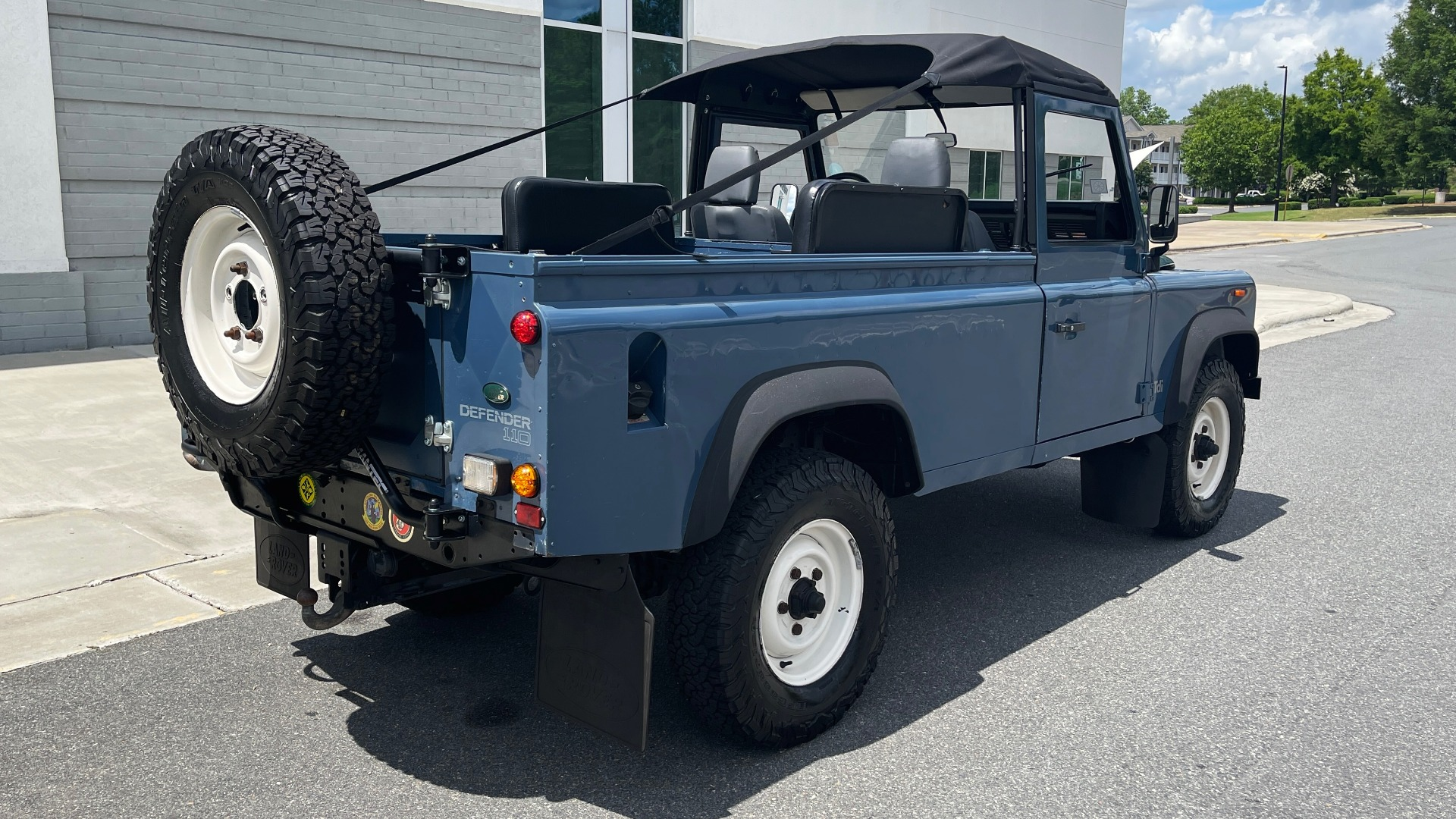 Used 1992 Land Rover DEFENDER 110 SOFT-TOP 4X4 / TURBO DIESEL / MANUAL / NEW SEATS, TOP AND TIRES for sale Call for price at Formula Imports in Charlotte NC 28227 2
