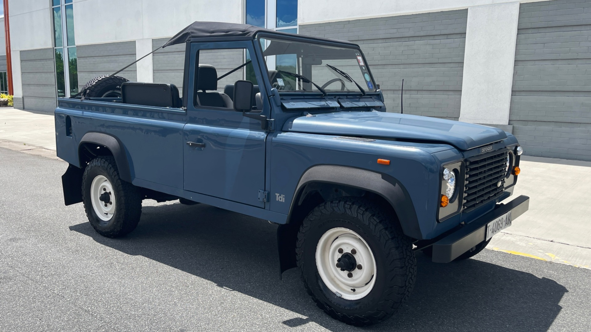 Used 1992 Land Rover DEFENDER 110 SOFT-TOP 4X4 / TURBO DIESEL / MANUAL / NEW SEATS, TOP AND TIRES for sale Call for price at Formula Imports in Charlotte NC 28227 5