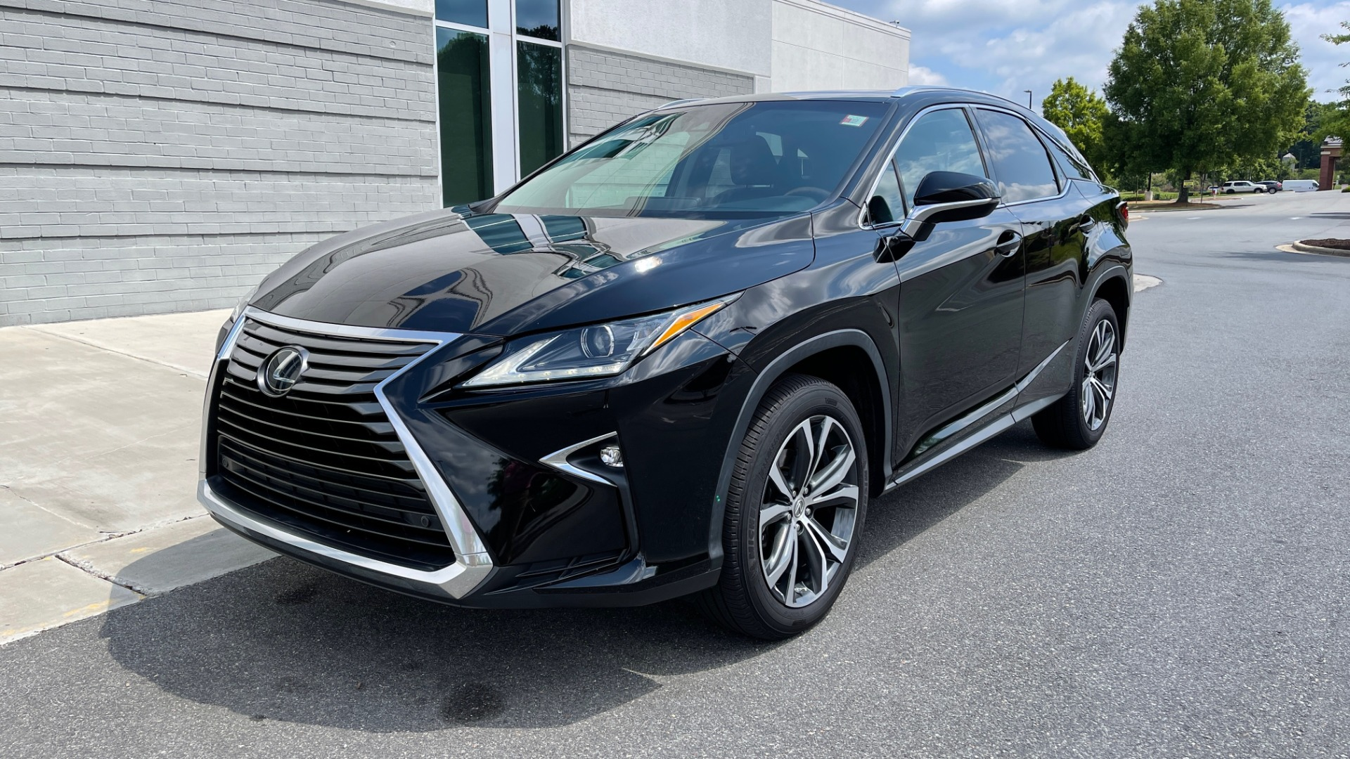 Used 2016 Lexus RX 350 PREMIUM / NAV / SUNROOF / BSM / PARK ASST / REARVIEW for sale $29,495 at Formula Imports in Charlotte NC 28227 3