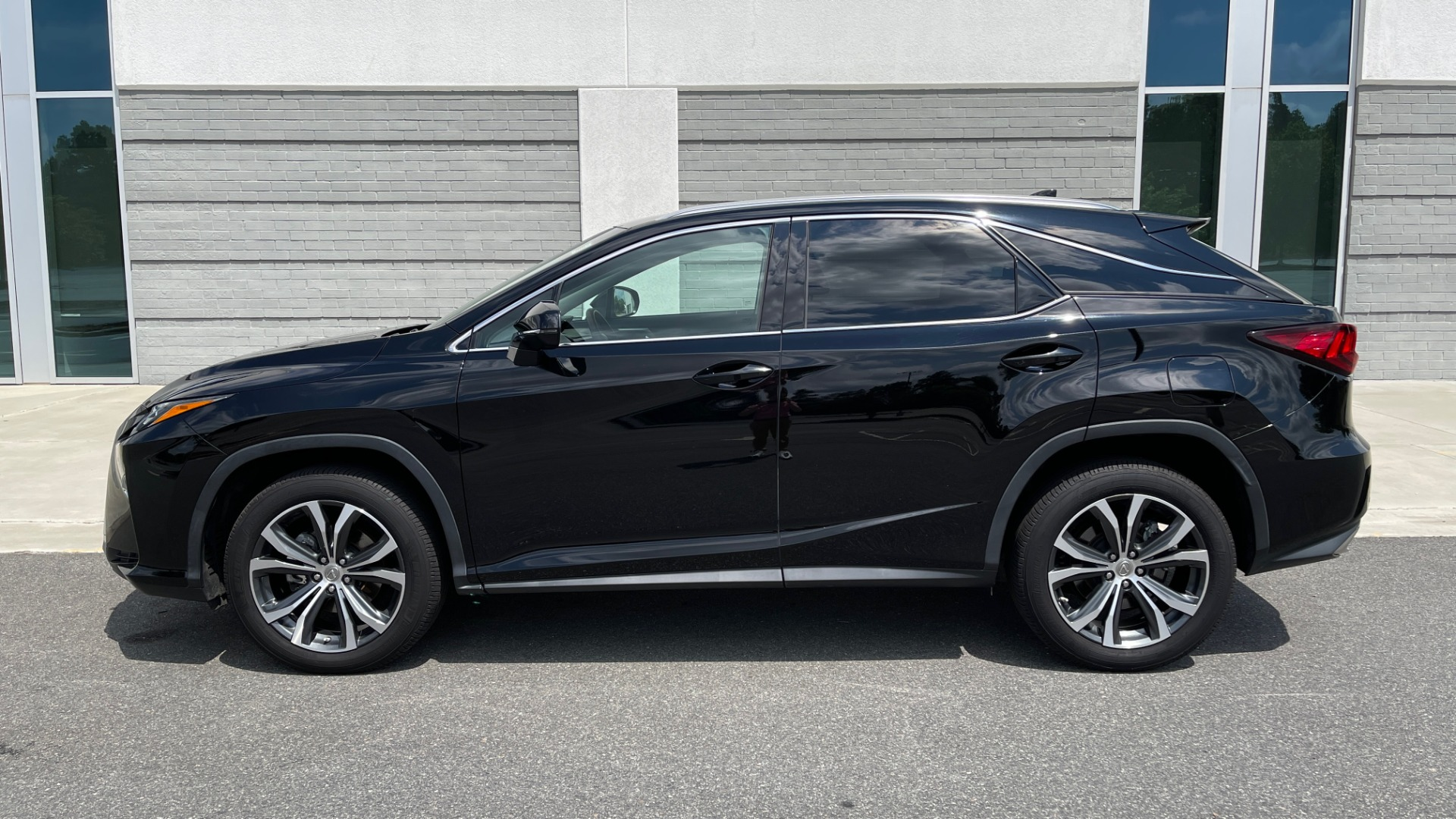 Used 2016 Lexus RX 350 PREMIUM / NAV / SUNROOF / BSM / PARK ASST / REARVIEW for sale $29,495 at Formula Imports in Charlotte NC 28227 4