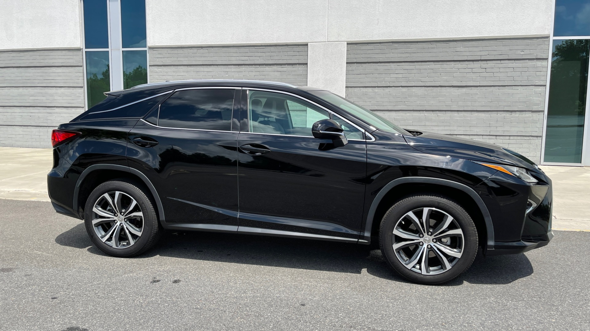 Used 2016 Lexus RX 350 PREMIUM / NAV / SUNROOF / BSM / PARK ASST / REARVIEW for sale $29,495 at Formula Imports in Charlotte NC 28227 7