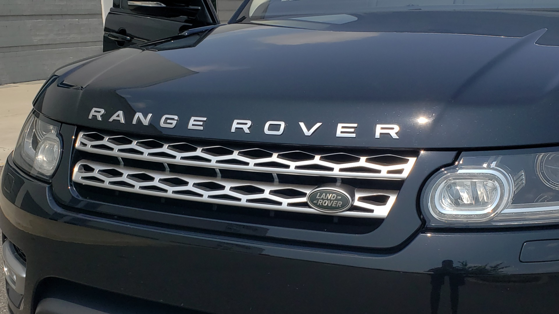 Used 2017 Land Rover Range Rover Sport HSE Dynamic for sale Call for price at Formula Imports in Charlotte NC 28227 29
