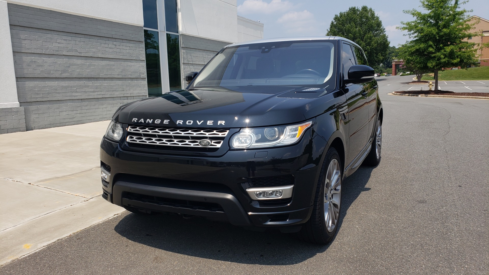 Used 2017 Land Rover Range Rover Sport HSE Dynamic for sale Call for price at Formula Imports in Charlotte NC 28227 3