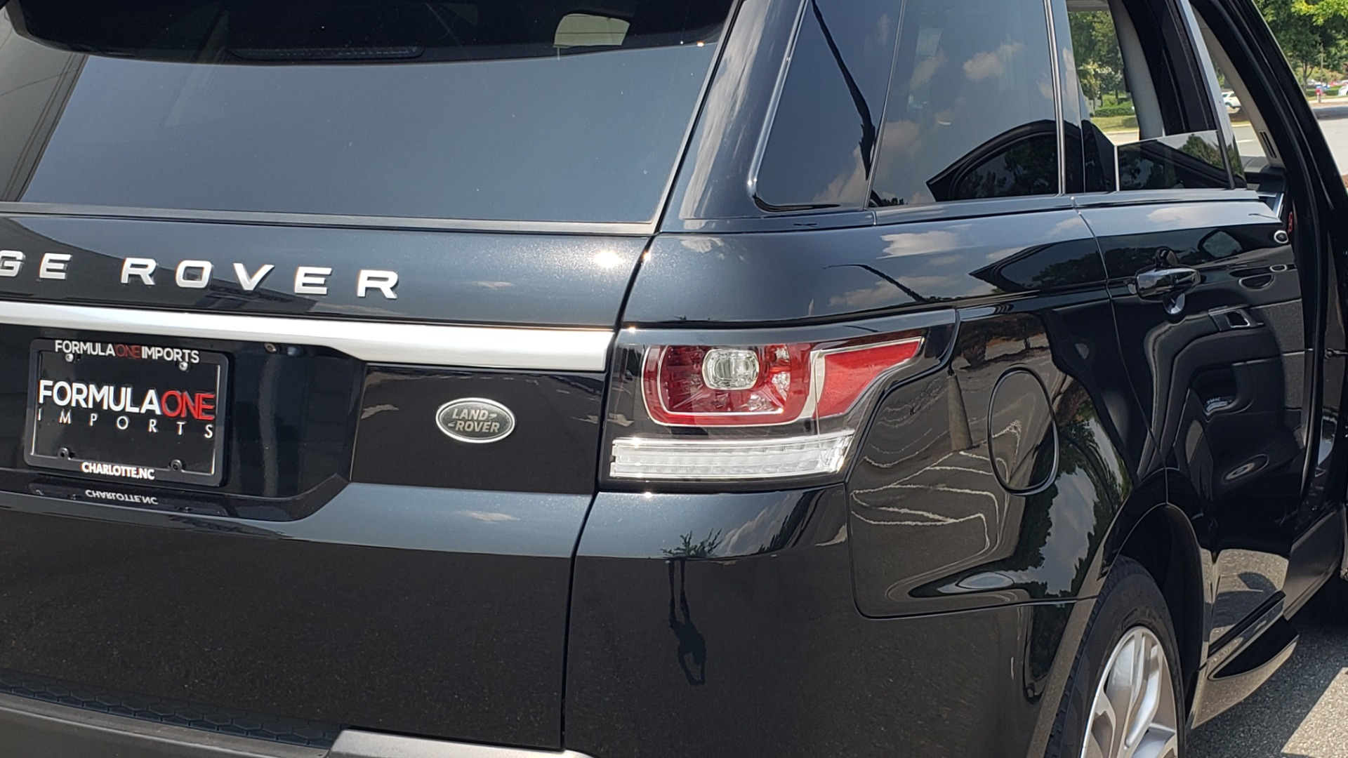 Used 2017 Land Rover Range Rover Sport HSE Dynamic for sale Call for price at Formula Imports in Charlotte NC 28227 35
