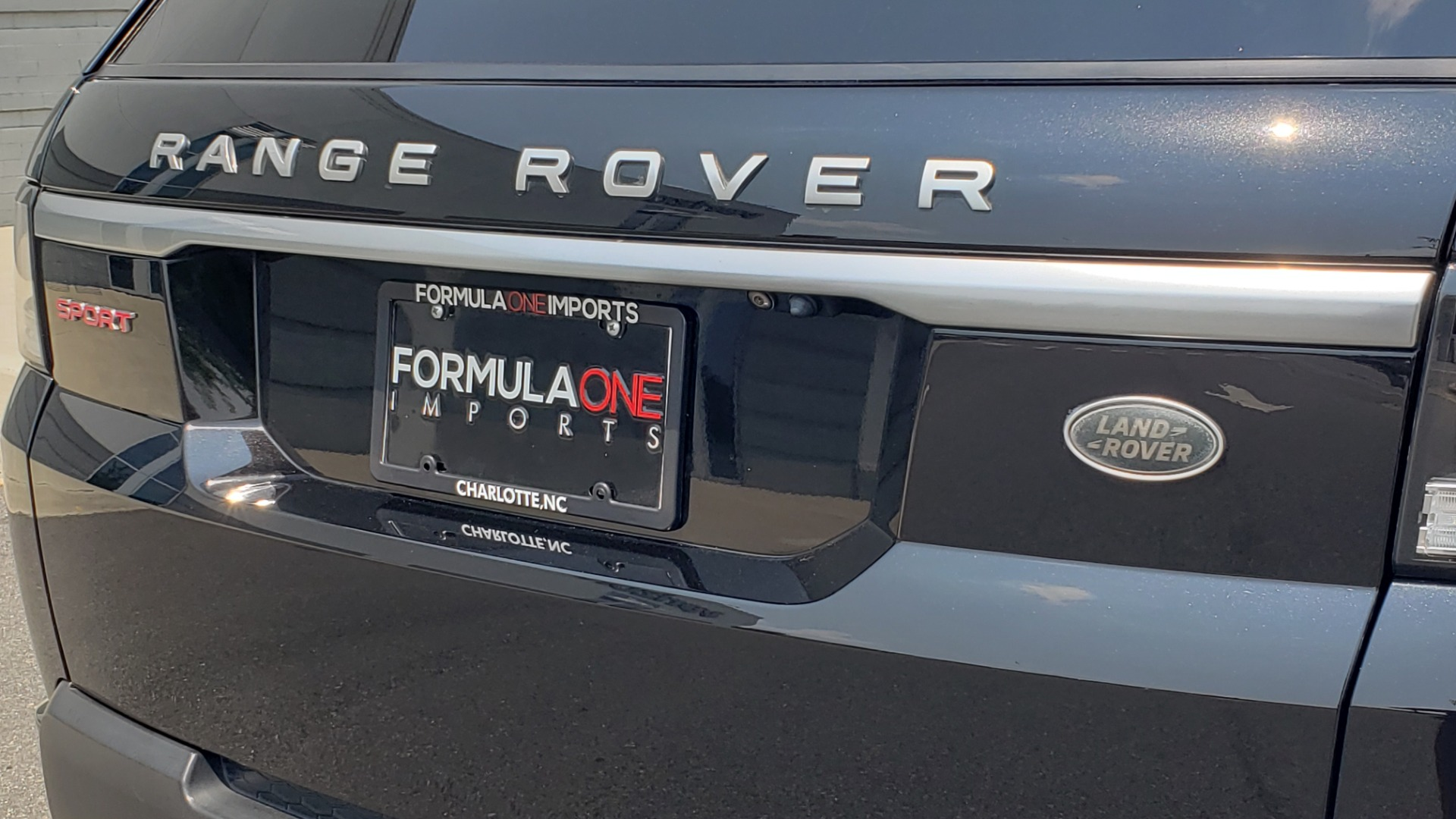 Used 2017 Land Rover Range Rover Sport HSE Dynamic for sale Call for price at Formula Imports in Charlotte NC 28227 36