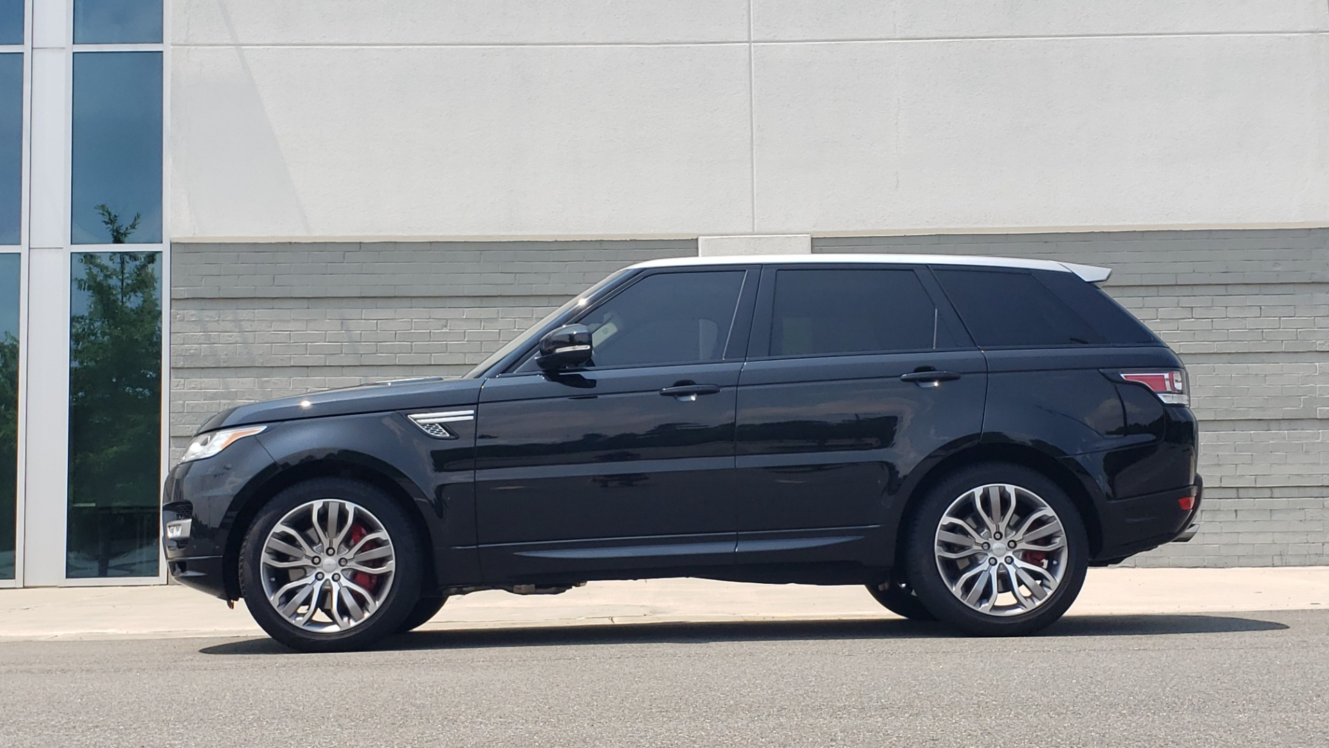 Used 2017 Land Rover Range Rover Sport HSE Dynamic for sale Call for price at Formula Imports in Charlotte NC 28227 5