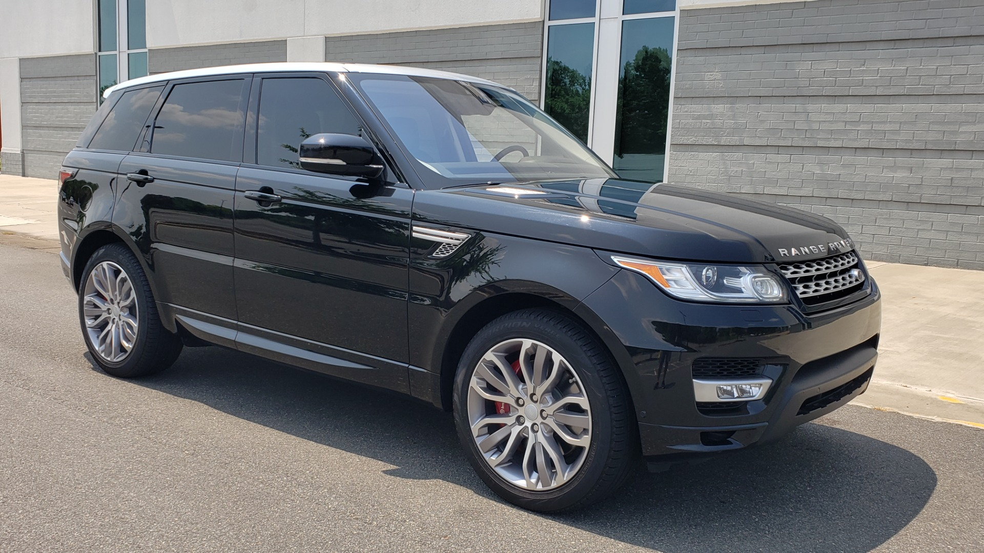 Used 2017 Land Rover Range Rover Sport HSE Dynamic for sale Call for price at Formula Imports in Charlotte NC 28227 7