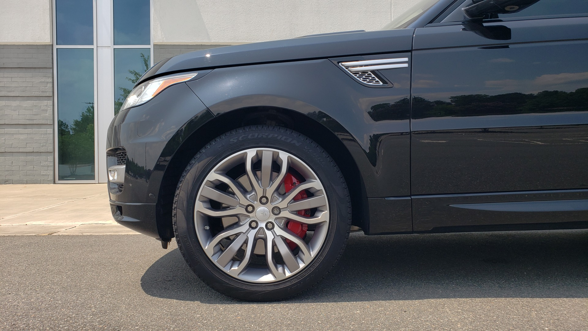 Used 2017 Land Rover Range Rover Sport HSE Dynamic for sale Call for price at Formula Imports in Charlotte NC 28227 82