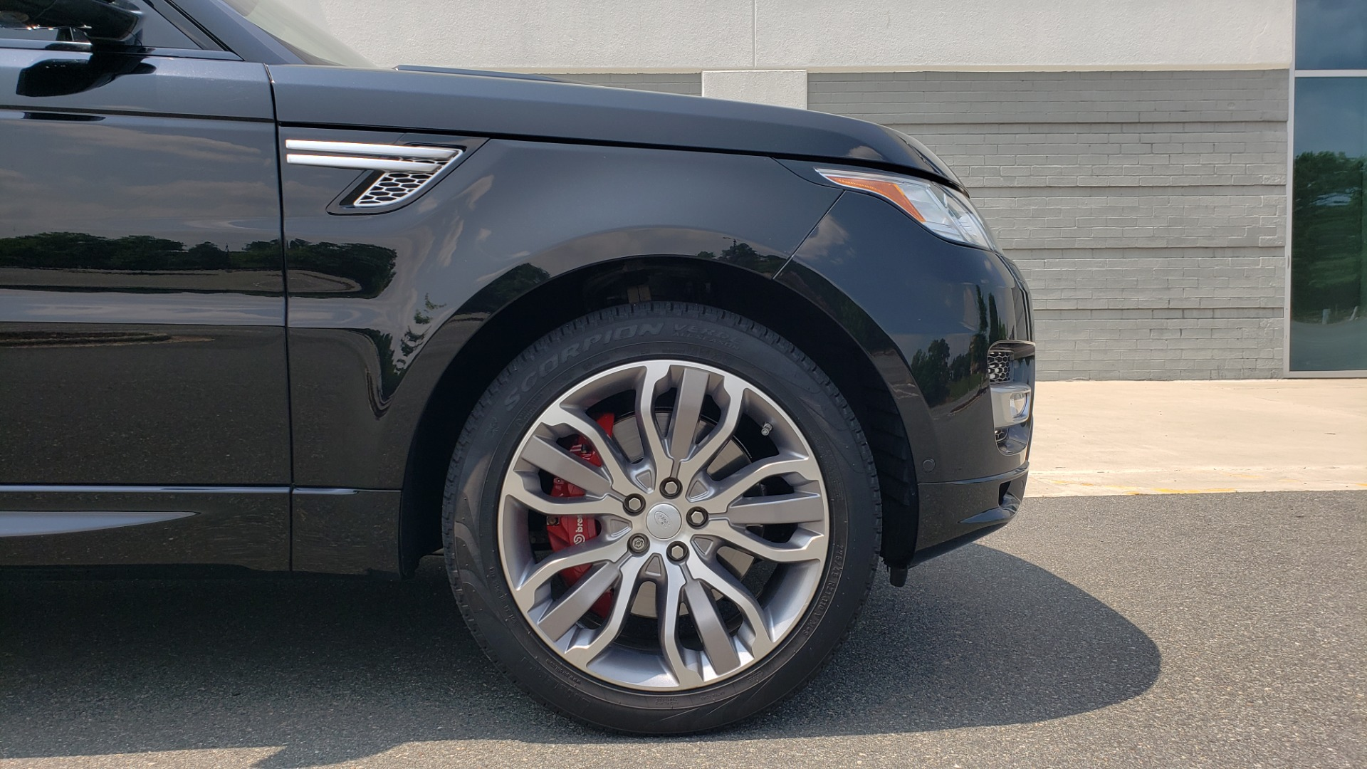 Used 2017 Land Rover Range Rover Sport HSE Dynamic for sale Call for price at Formula Imports in Charlotte NC 28227 85