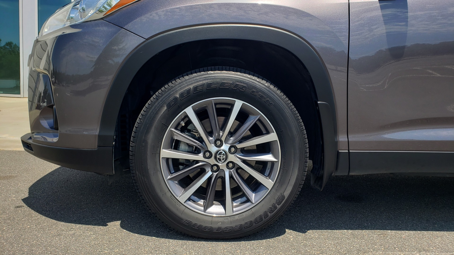 Used 2019 Toyota HIGHLANDER XLE / 3.5L V6 / AWD / LEATHER / 8-SPD AUTO / 1-OWNER for sale $37,500 at Formula Imports in Charlotte NC 28227 80