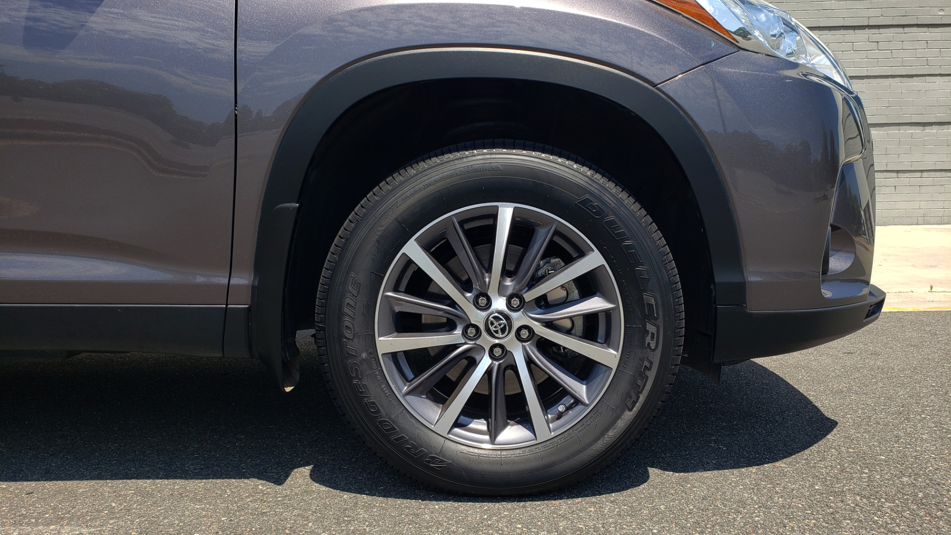 Used 2019 Toyota HIGHLANDER XLE / 3.5L V6 / AWD / LEATHER / 8-SPD AUTO / 1-OWNER for sale $37,500 at Formula Imports in Charlotte NC 28227 83