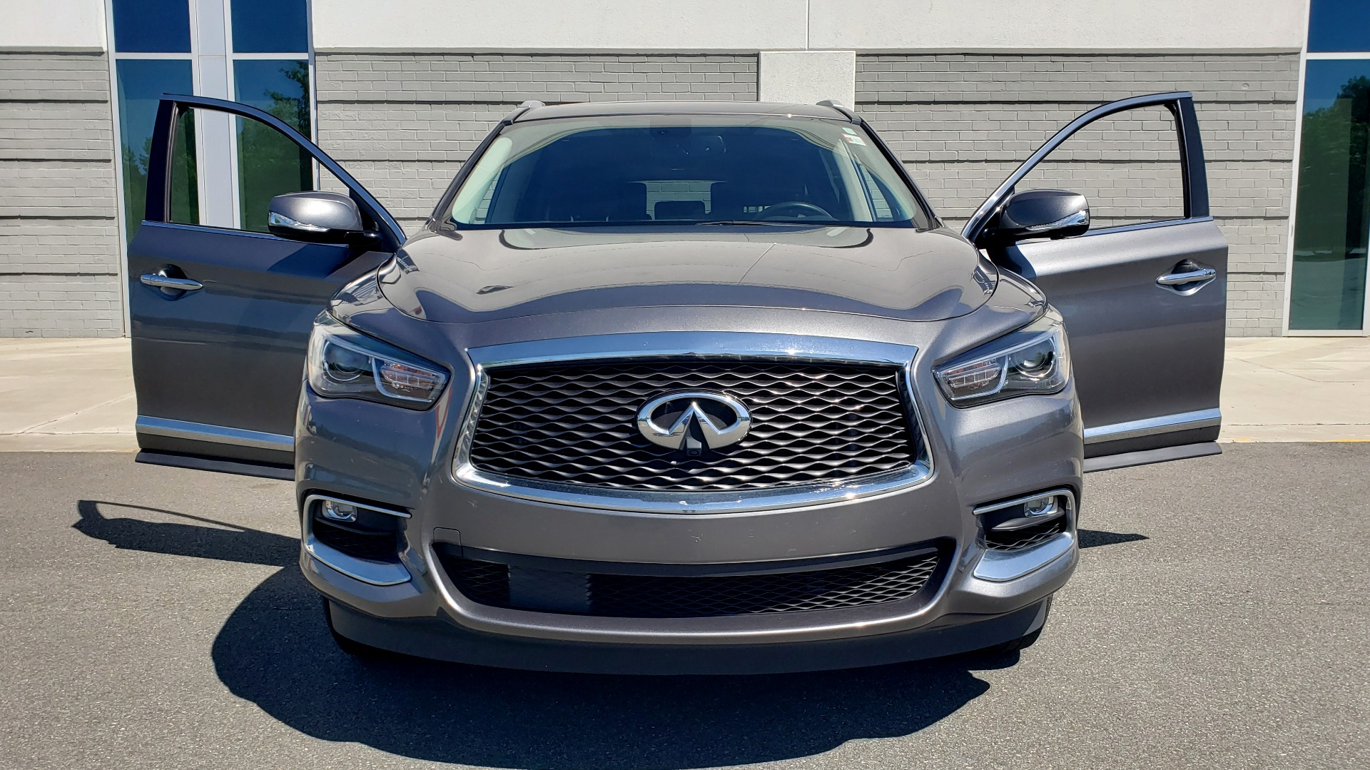 Used 2018 INFINITI QX60 3.5L V6 / FWD / CVT TRANS / NAV / SUNROOF / 3-ROWS / REARVIEW for sale $31,999 at Formula Imports in Charlotte NC 28227 26