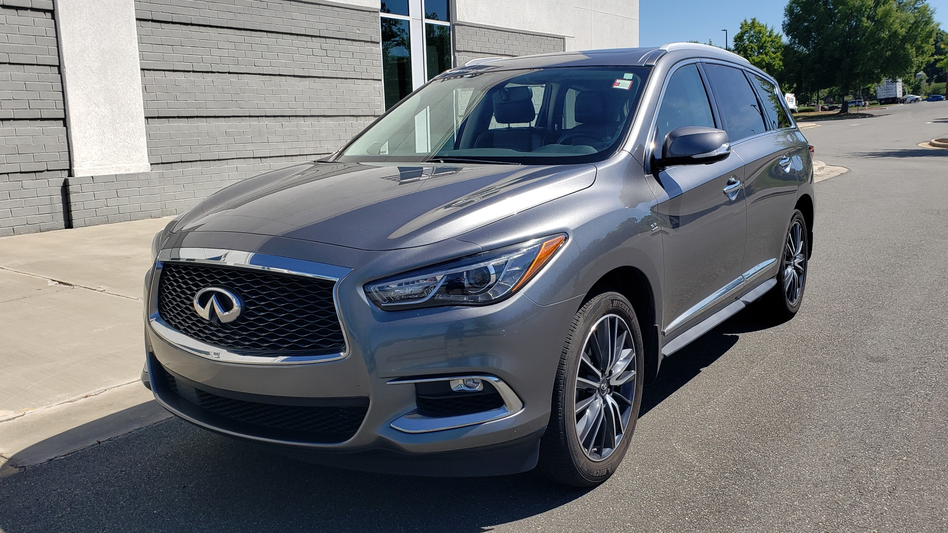 Used 2018 INFINITI QX60 3.5L V6 / FWD / CVT TRANS / NAV / SUNROOF / 3-ROWS / REARVIEW for sale $31,999 at Formula Imports in Charlotte NC 28227 3