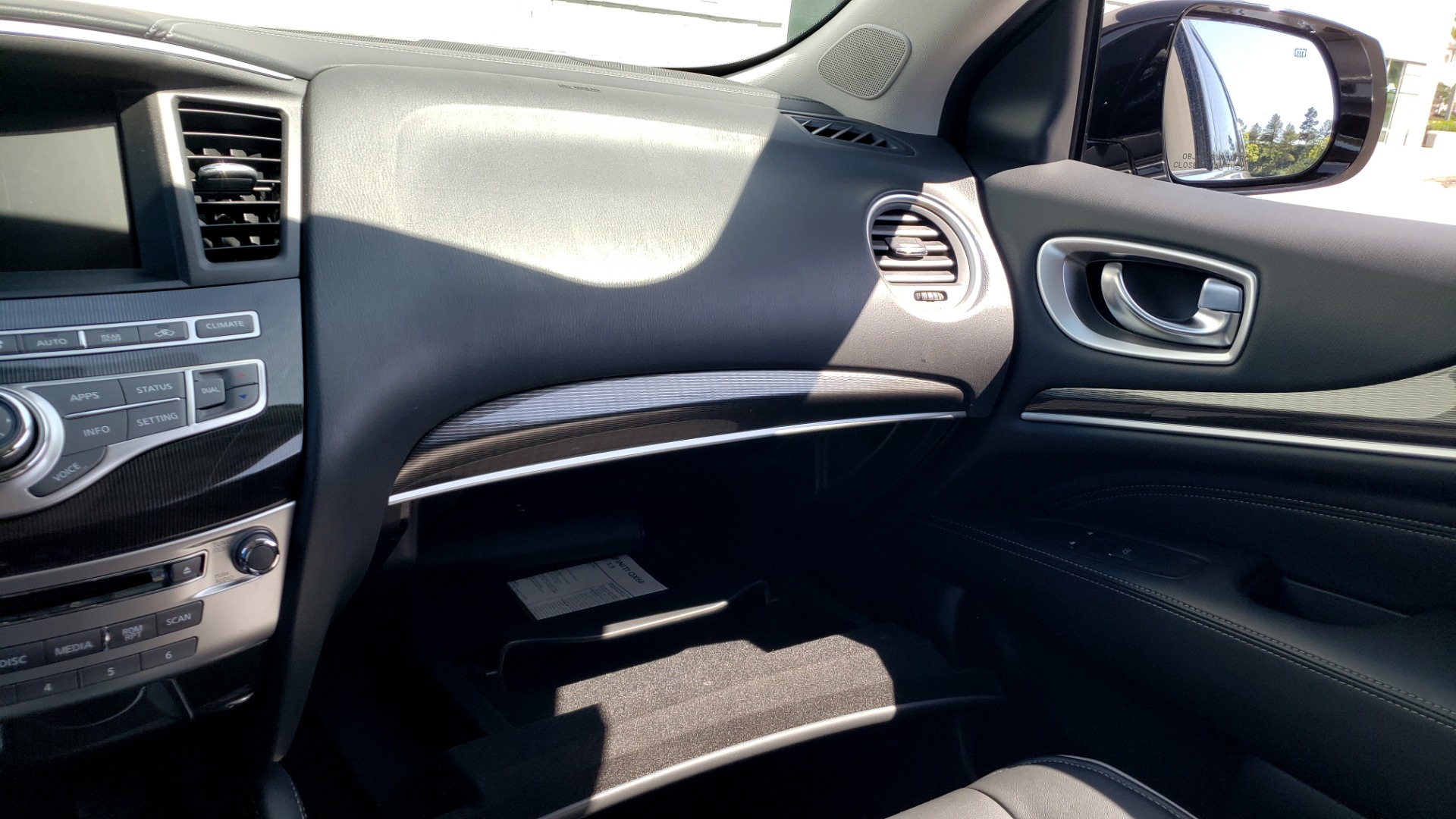 Used 2018 INFINITI QX60 3.5L V6 / FWD / CVT TRANS / NAV / SUNROOF / 3-ROWS / REARVIEW for sale $31,999 at Formula Imports in Charlotte NC 28227 57